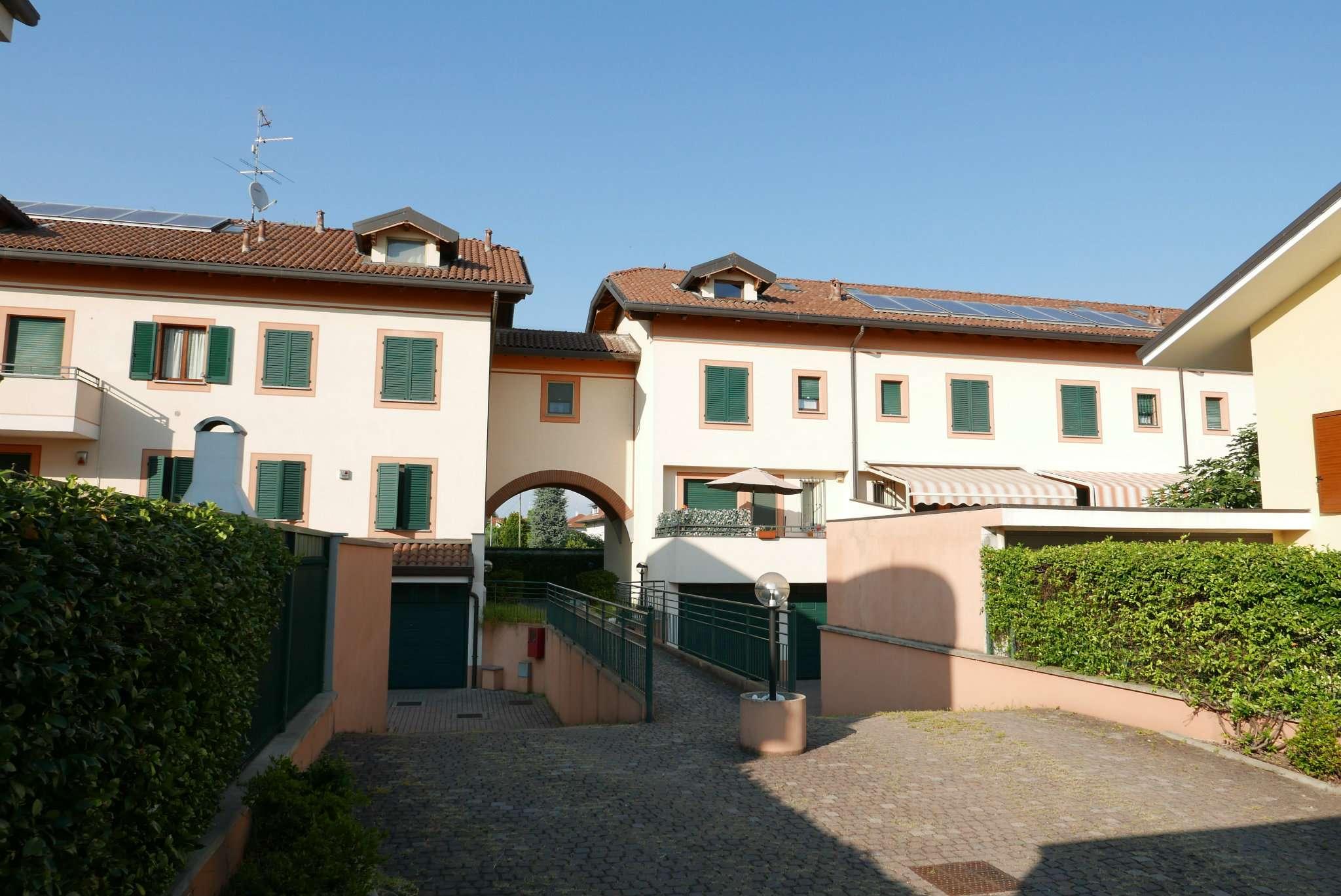 Appartamento in ottime condizioni in vendita Rif. 7809558
