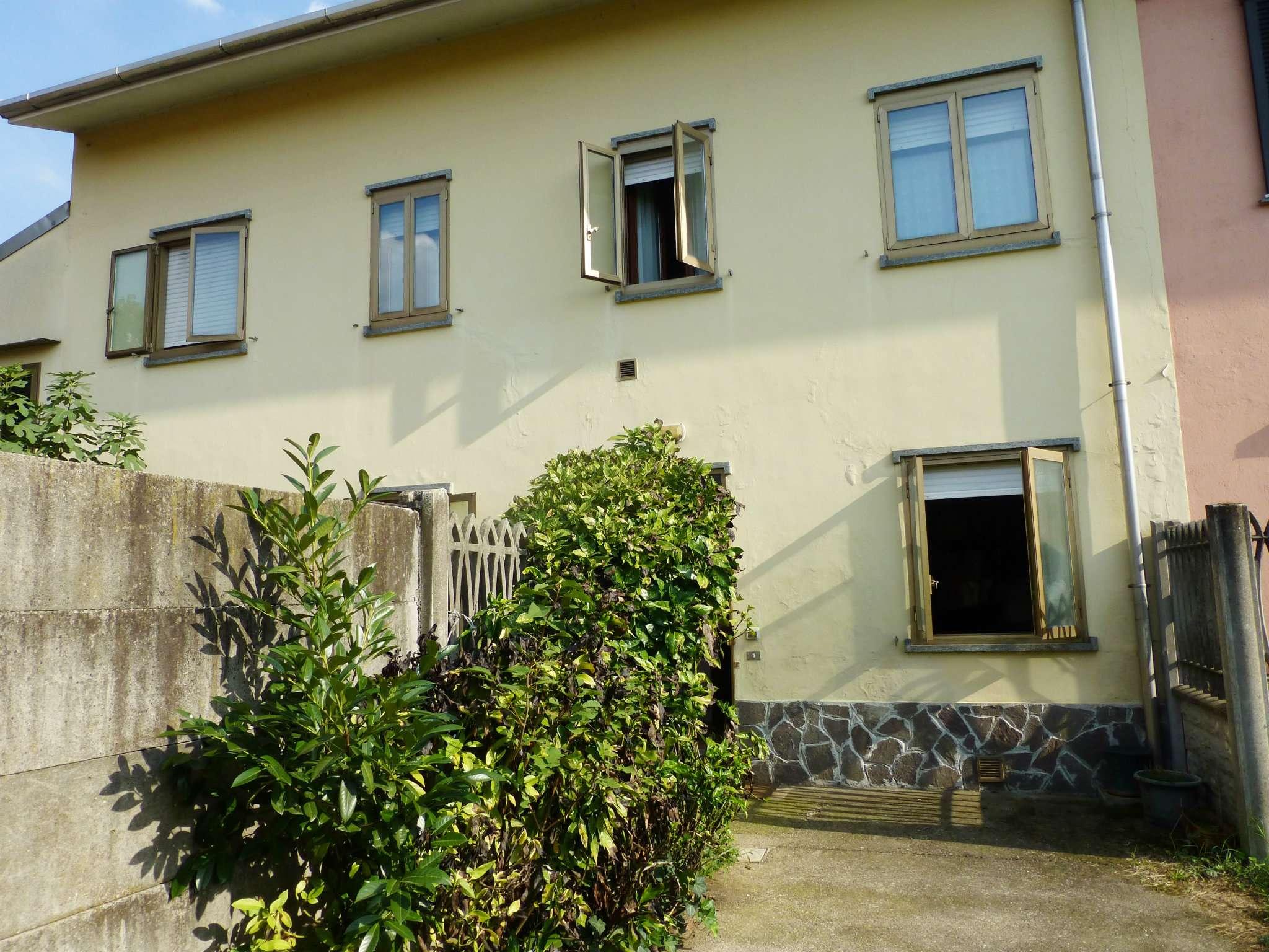 Appartamento in buone condizioni arredato in affitto Rif. 9177234