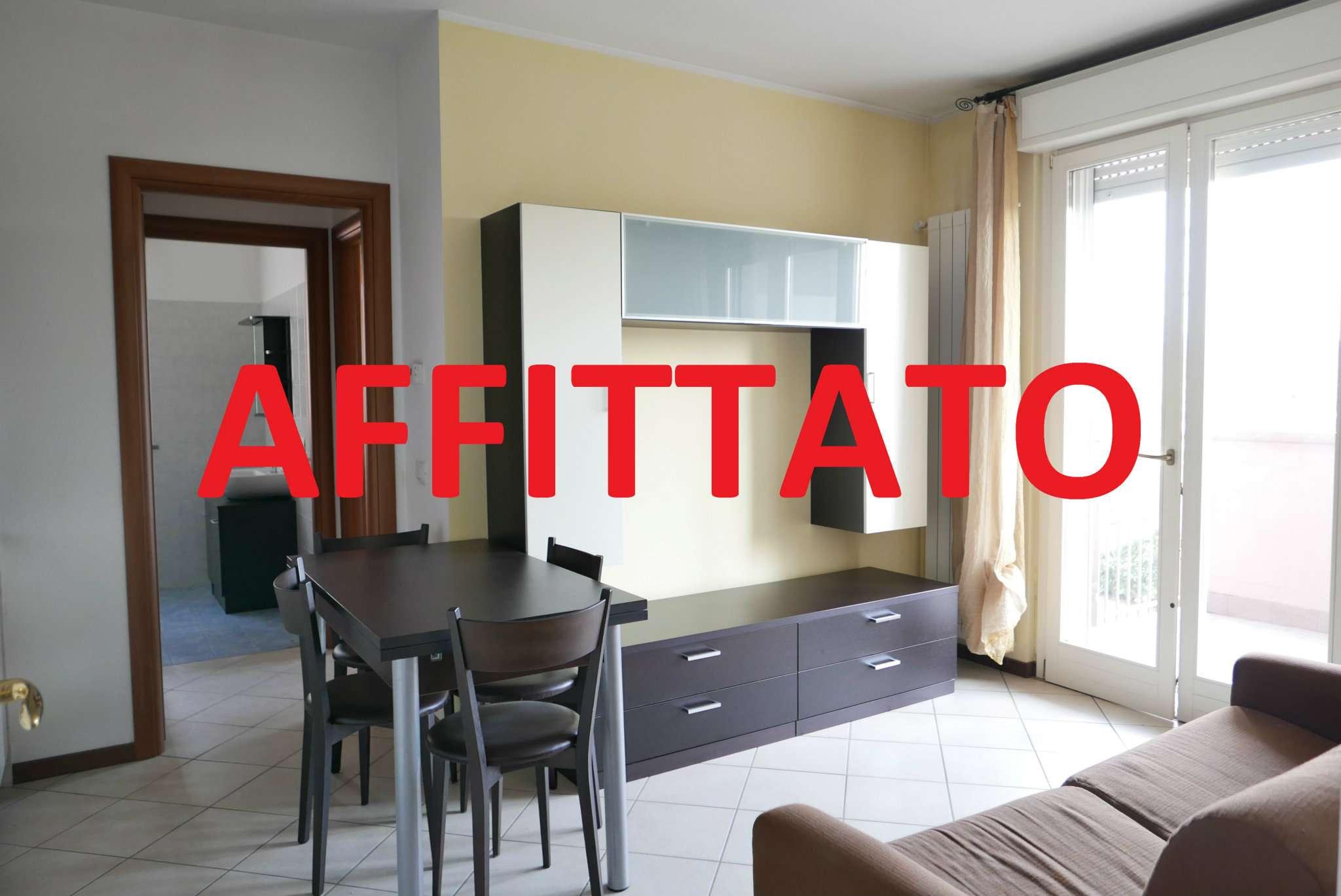 Appartamento in ottime condizioni arredato in affitto Rif. 9243174