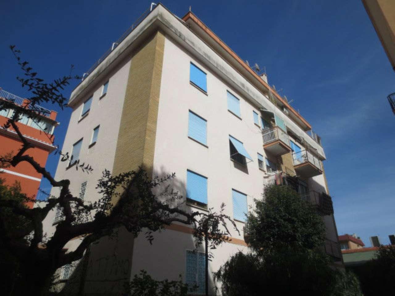 Appartamento in vendita a Roma, 3 locali, zona Zona: 24 . Gianicolense - Colli Portuensi - Monteverde, prezzo € 185.000   CambioCasa.it