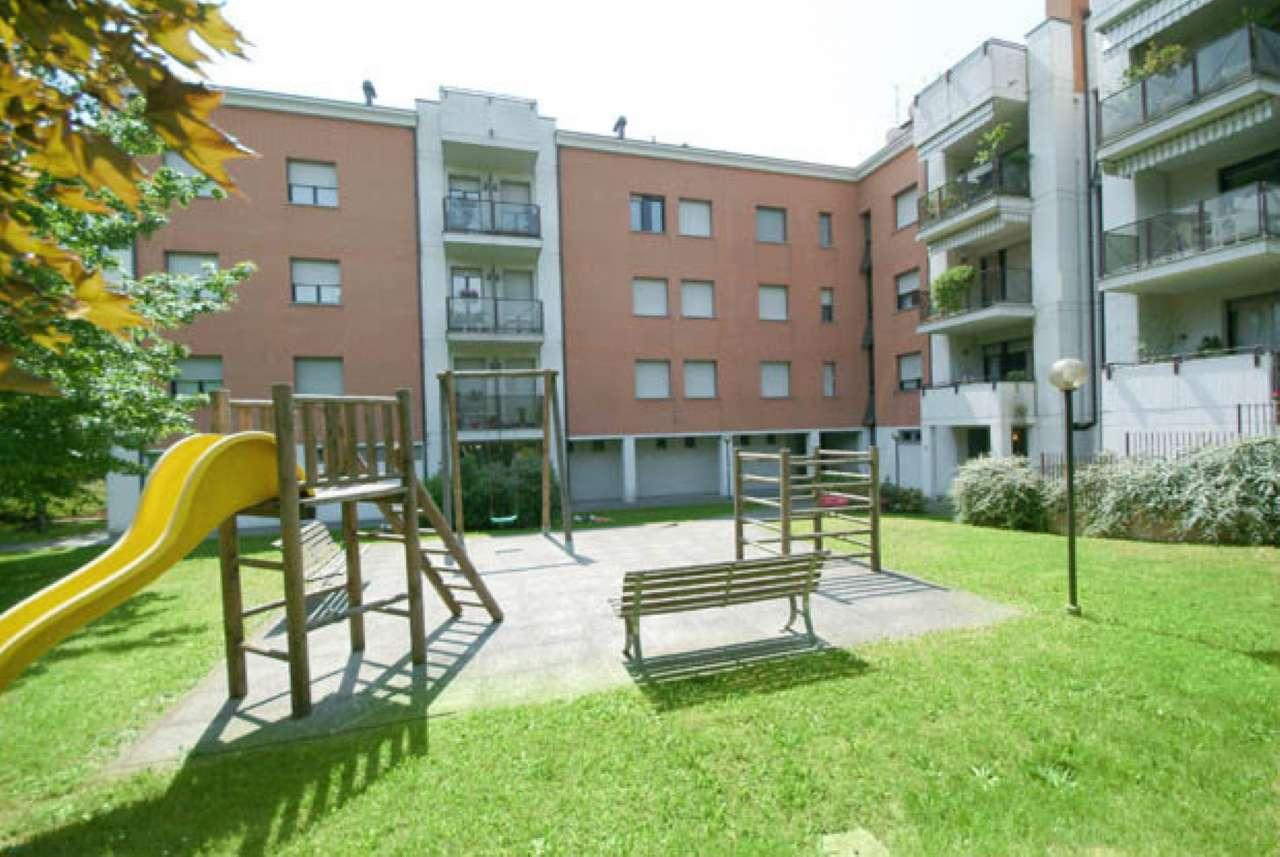 Appartamento in buone condizioni arredato in affitto Rif. 6877390