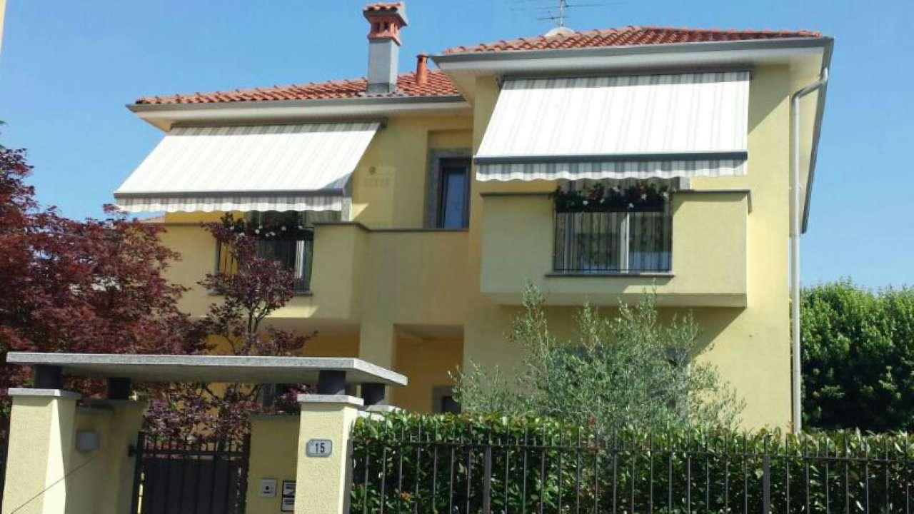 Appartamento in ottime condizioni in affitto Rif. 7966826