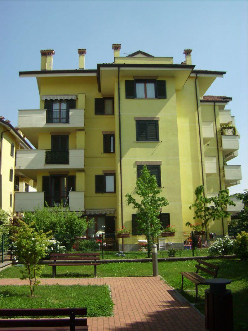 Appartamento in ottime condizioni arredato in affitto Rif. 8592561