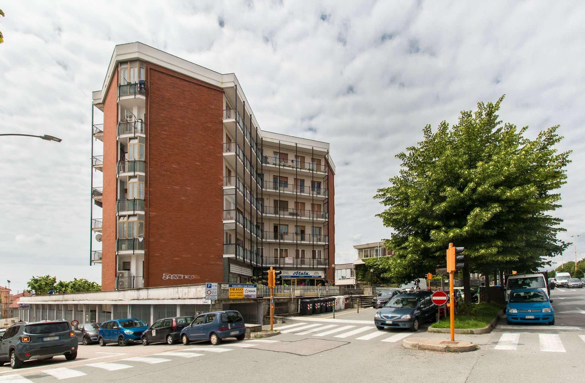 Immagine immobiliare RIVOLI - CORSO FRANCIA AMPIO TRILOCALE CON BOX RIVOLI - CORSO FRANCIA (pressi Nuovo Comune) , in zona comoda a tutti i servizi, nel