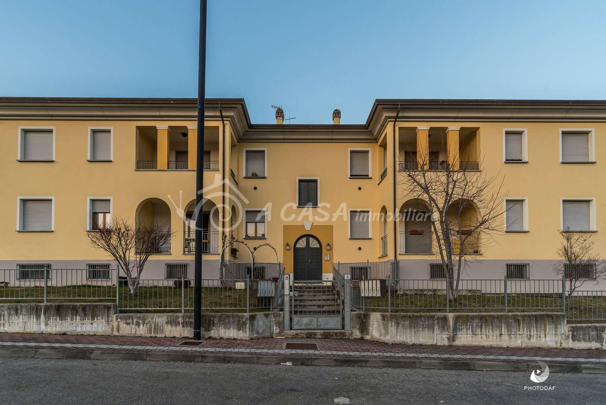 Appartamento in ottime condizioni parzialmente arredato in vendita Rif. 5588470