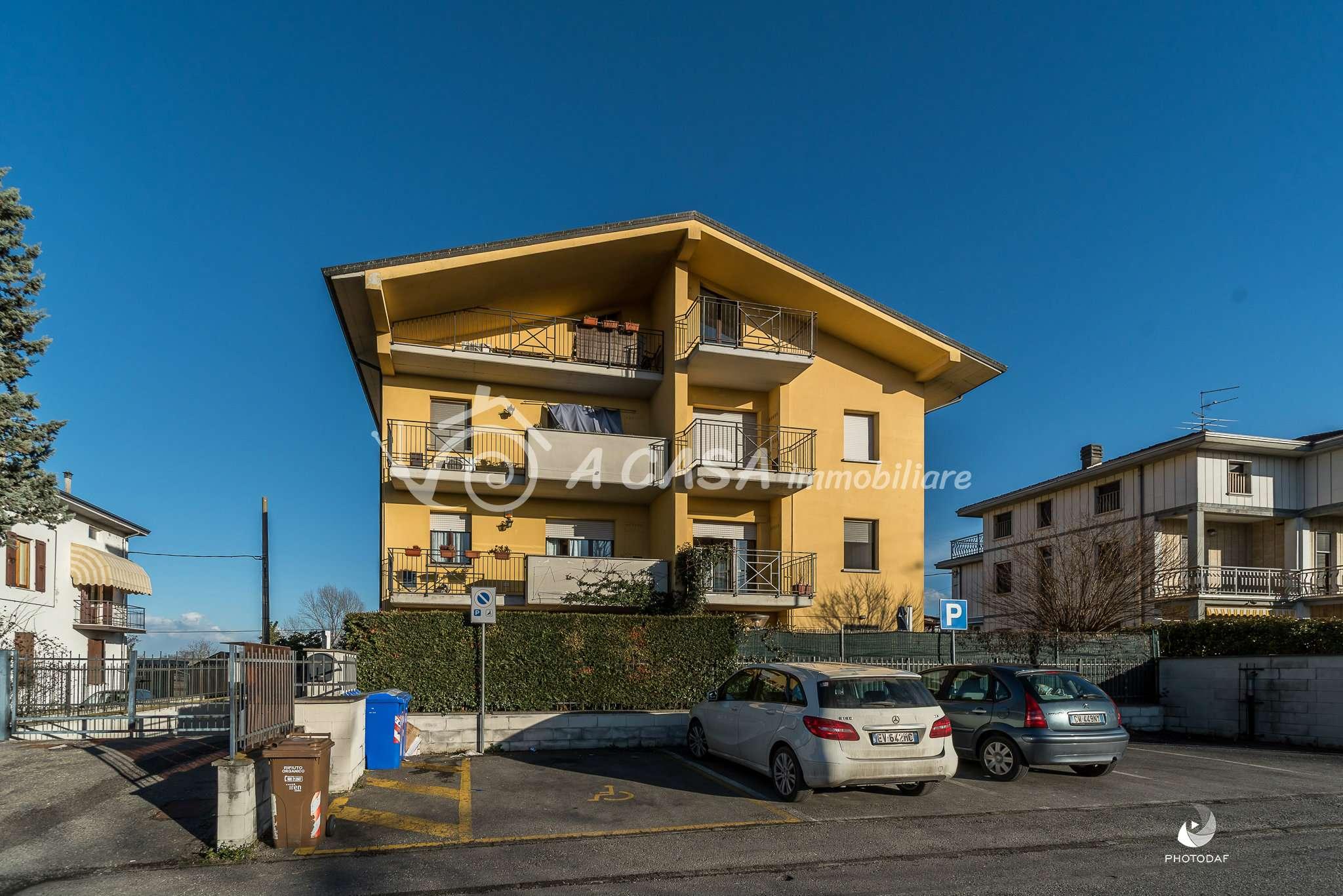 Appartamento in buone condizioni arredato in vendita Rif. 5738560