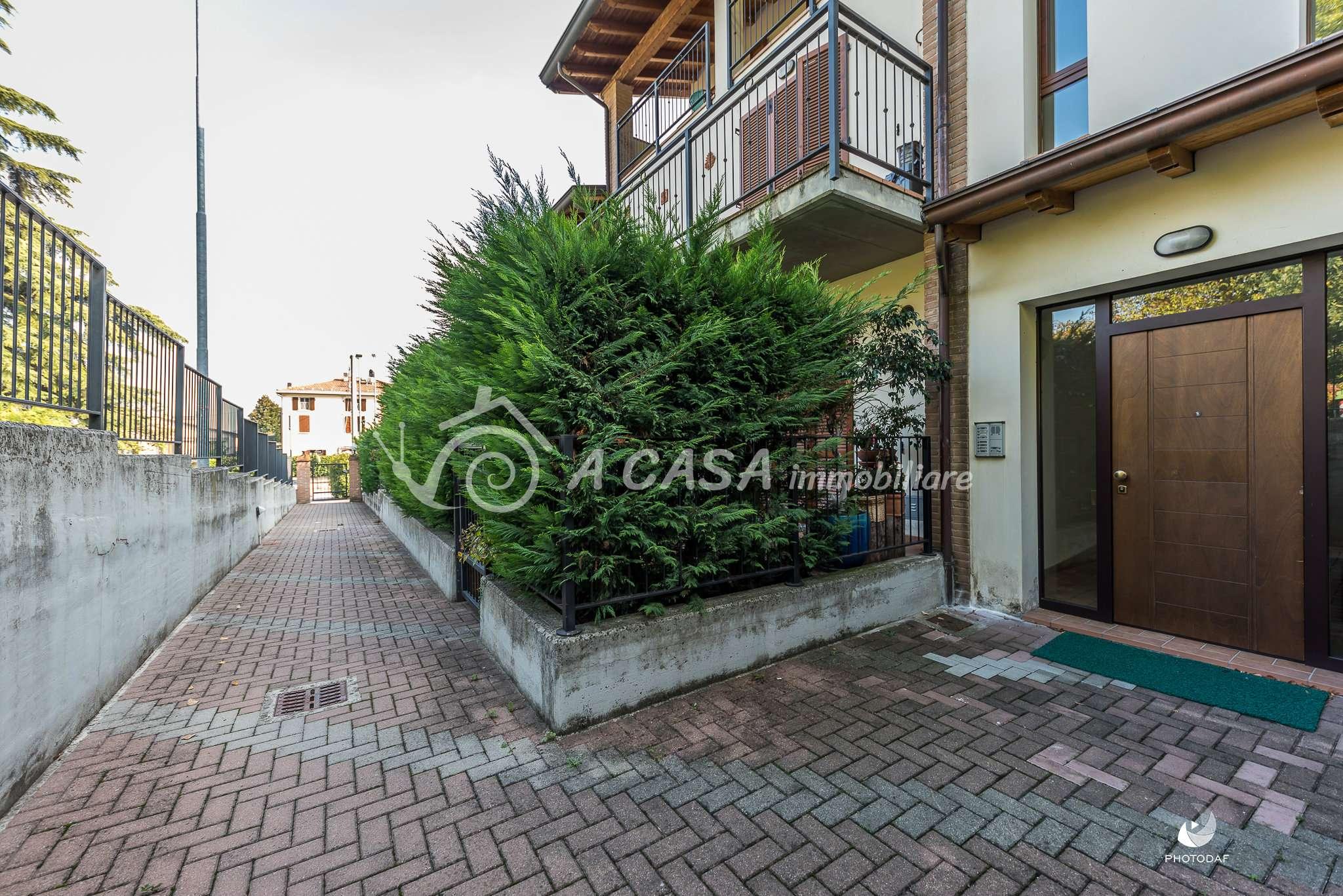 Appartamento in ottime condizioni in vendita Rif. 8174719