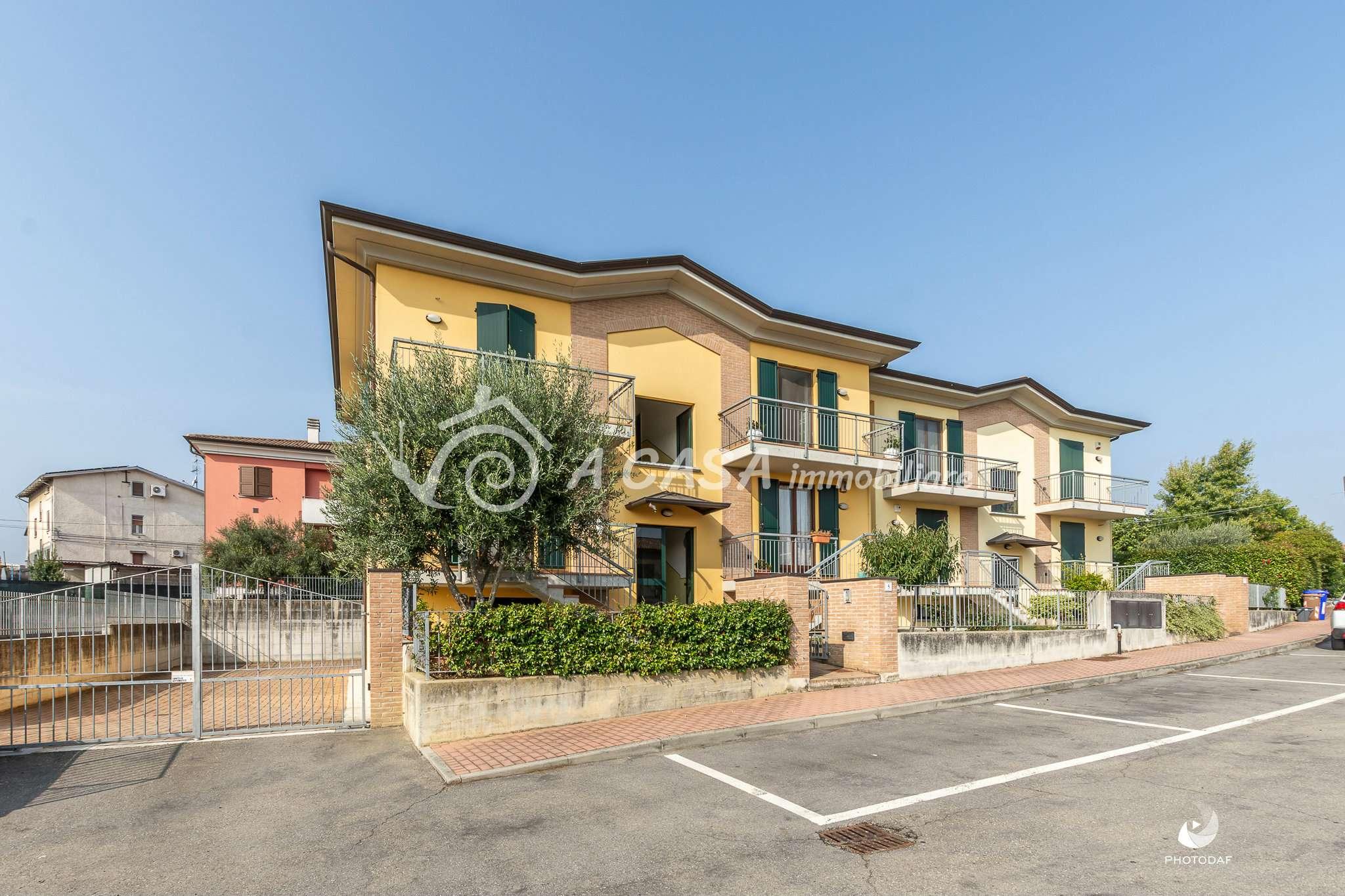 Appartamento in ottime condizioni in vendita Rif. 8327589