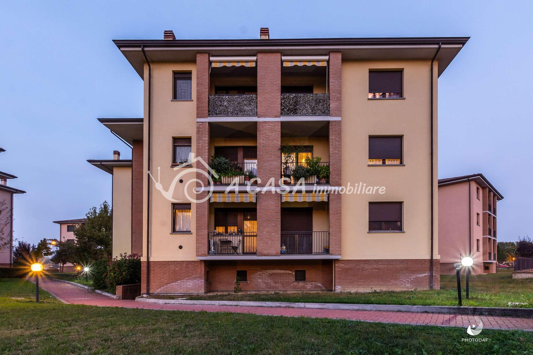 Appartamento in ottime condizioni arredato in vendita Rif. 8327590