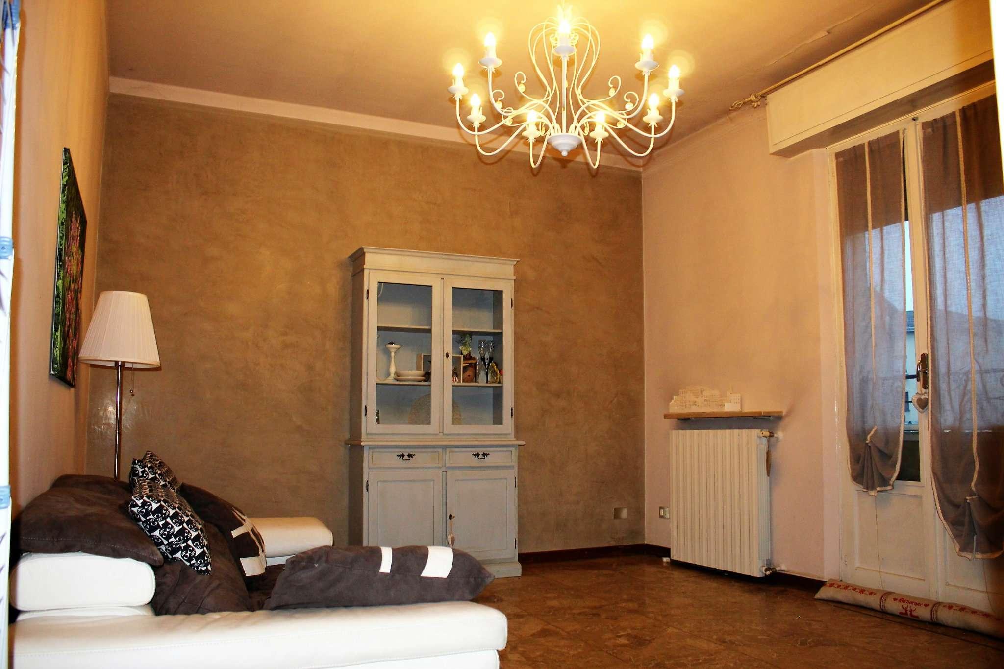 Appartamento in buone condizioni parzialmente arredato in affitto Rif. 8787742