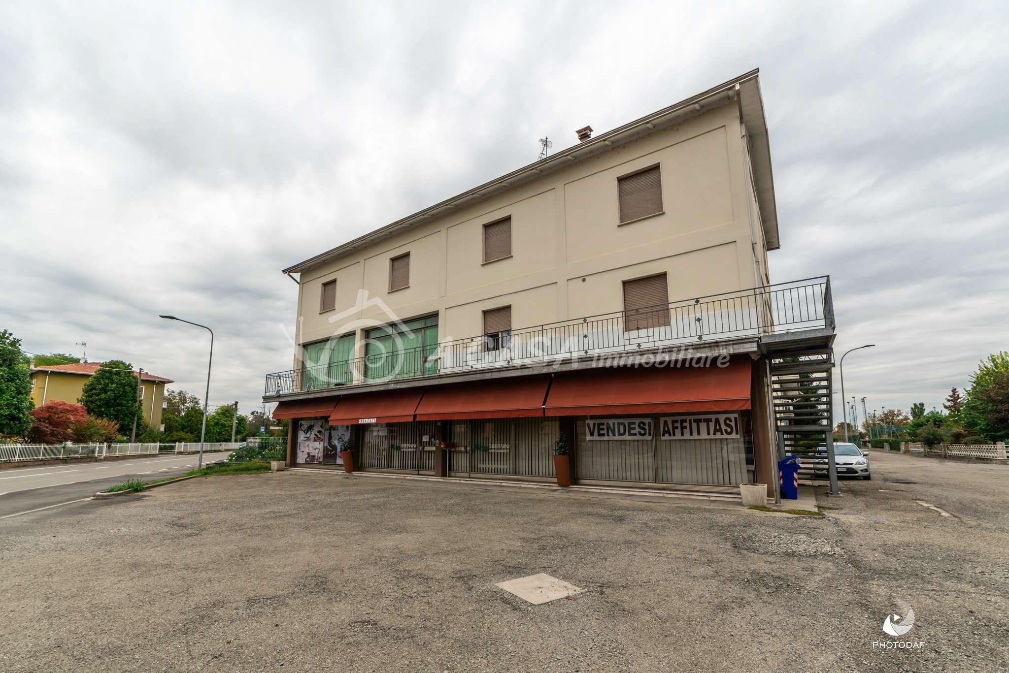 Palazzo / Stabile in vendita a Sissa-Trecasali, 4 locali, prezzo € 229.000 | CambioCasa.it