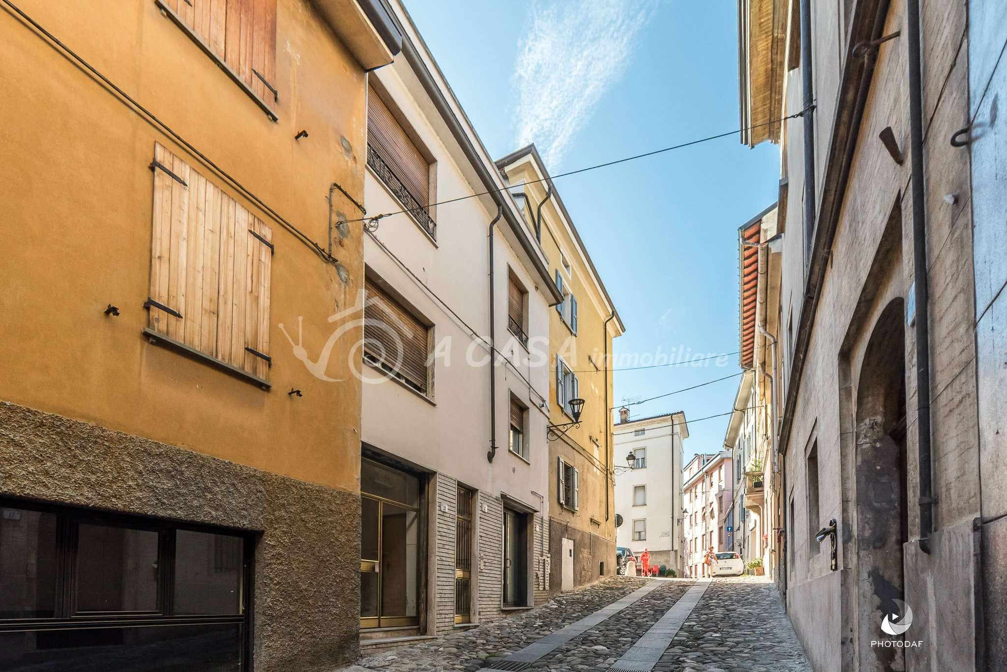 Appartamento in vendita a Fornovo di Taro, 3 locali, prezzo € 39.000 | CambioCasa.it