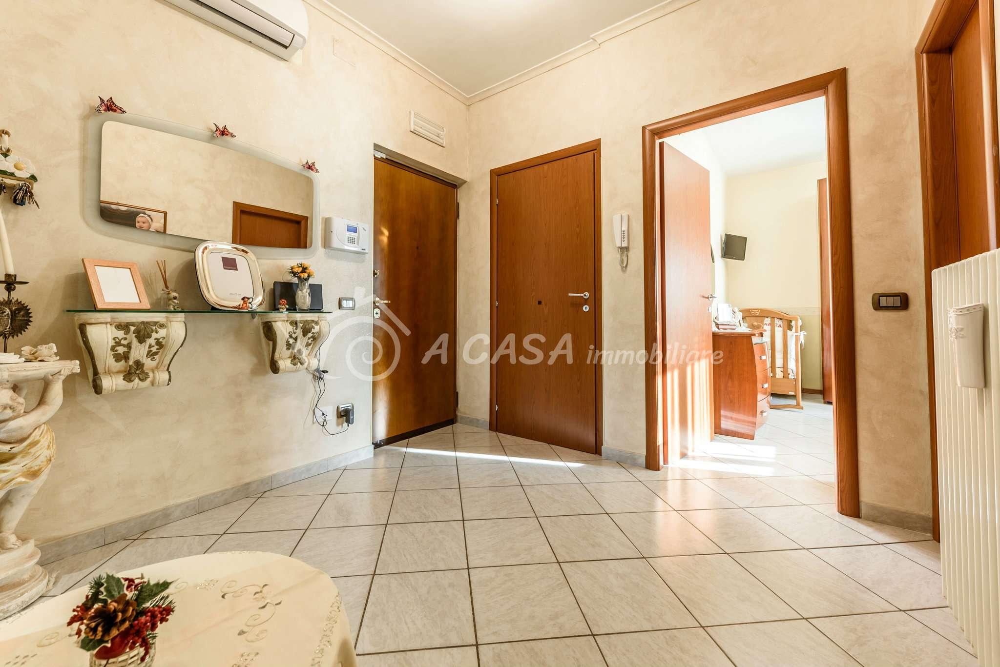 Appartamento in vendita a Fontanellato, 3 locali, prezzo € 86.000 | CambioCasa.it