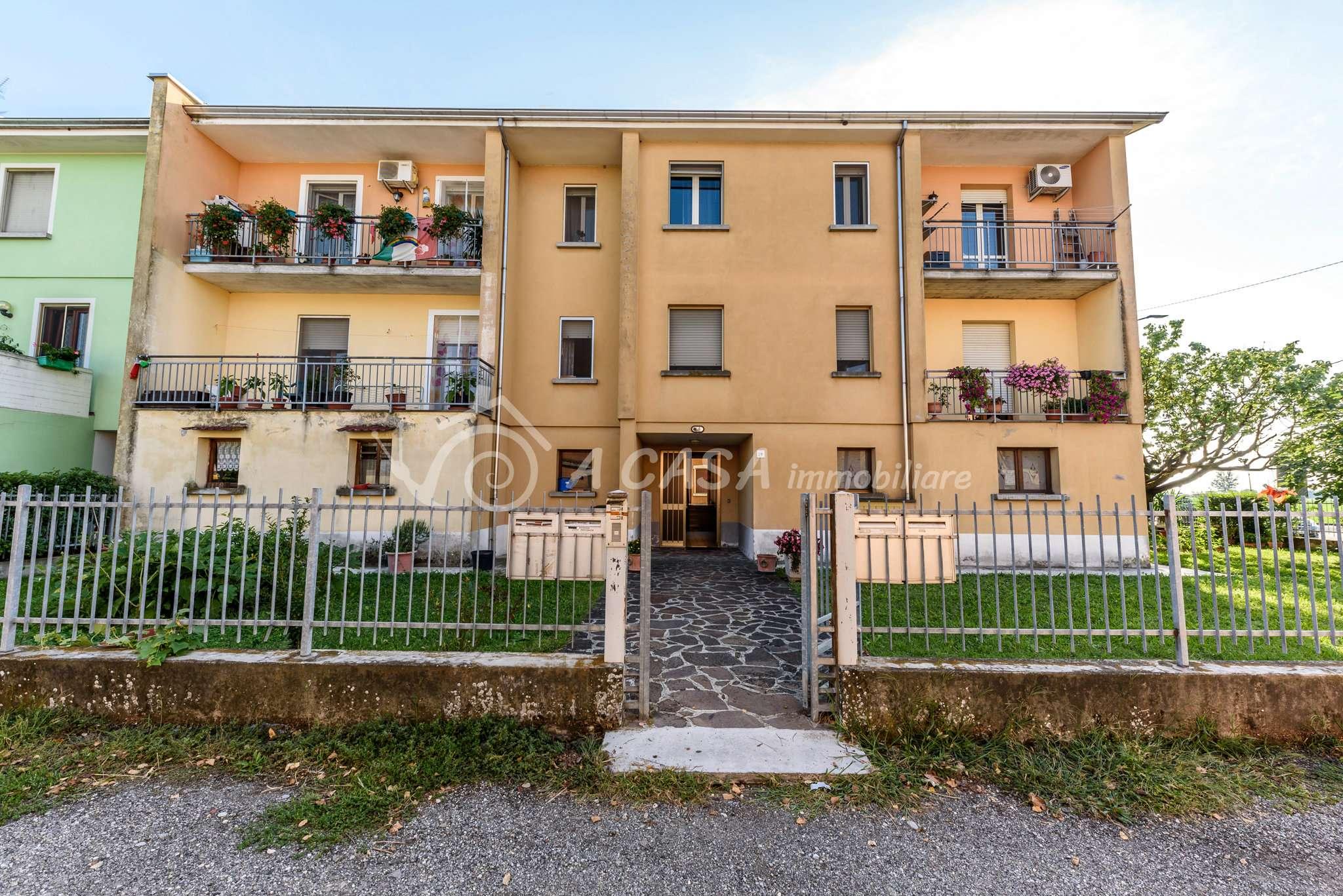 Appartamento in vendita a Soragna, 3 locali, prezzo € 105.000 | CambioCasa.it