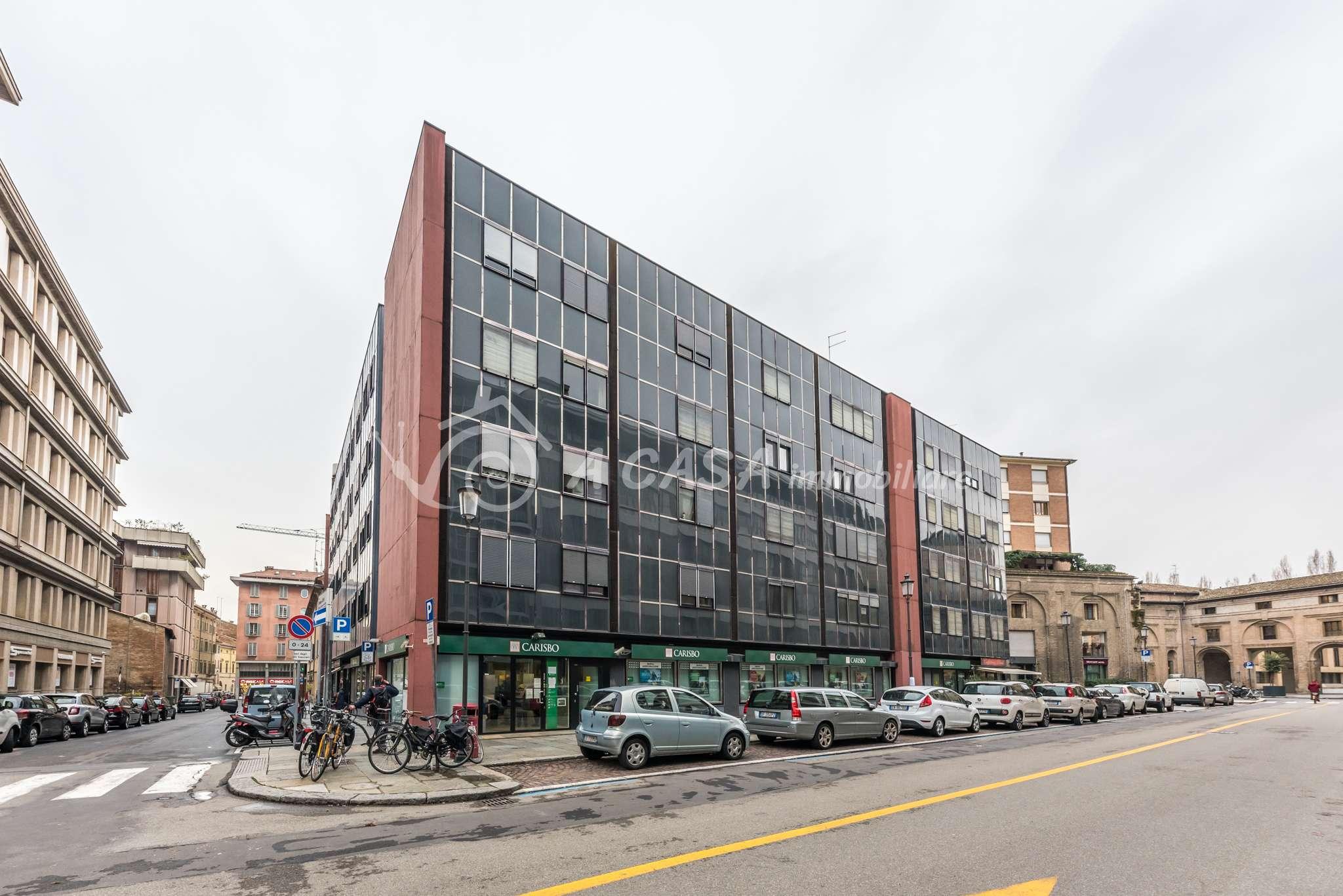 Ufficio / Studio in affitto a Parma, 4 locali, prezzo € 1.500   CambioCasa.it