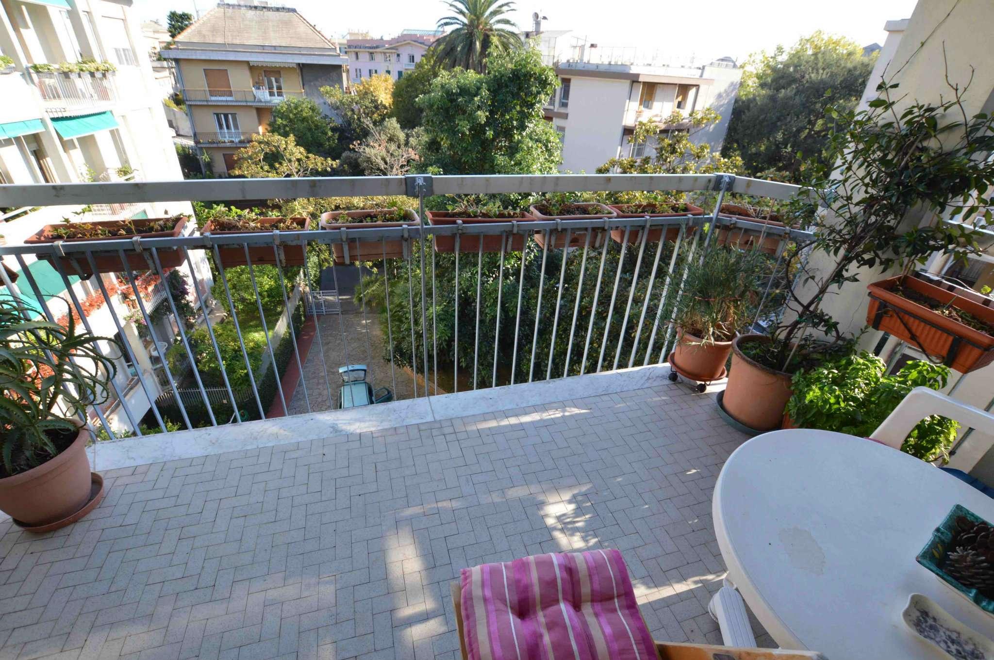 Appartamento in discrete condizioni in vendita Rif. 8481041