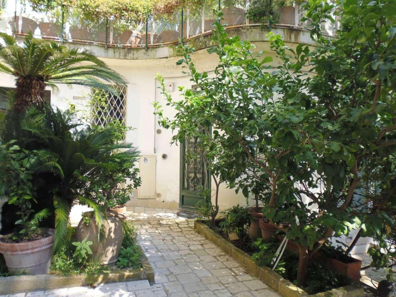 Appartamento in ottime condizioni arredato in affitto Rif. 8400442