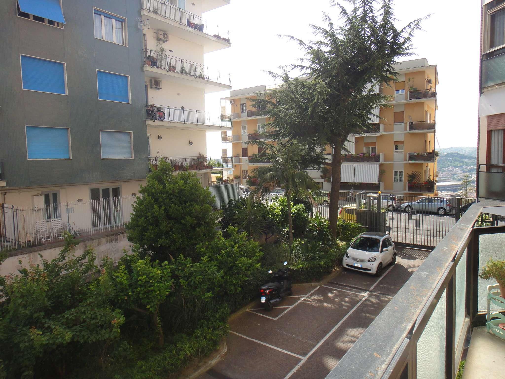 Appartamenti tre camere in affitto a napoli for Monolocale arredato quarto napoli