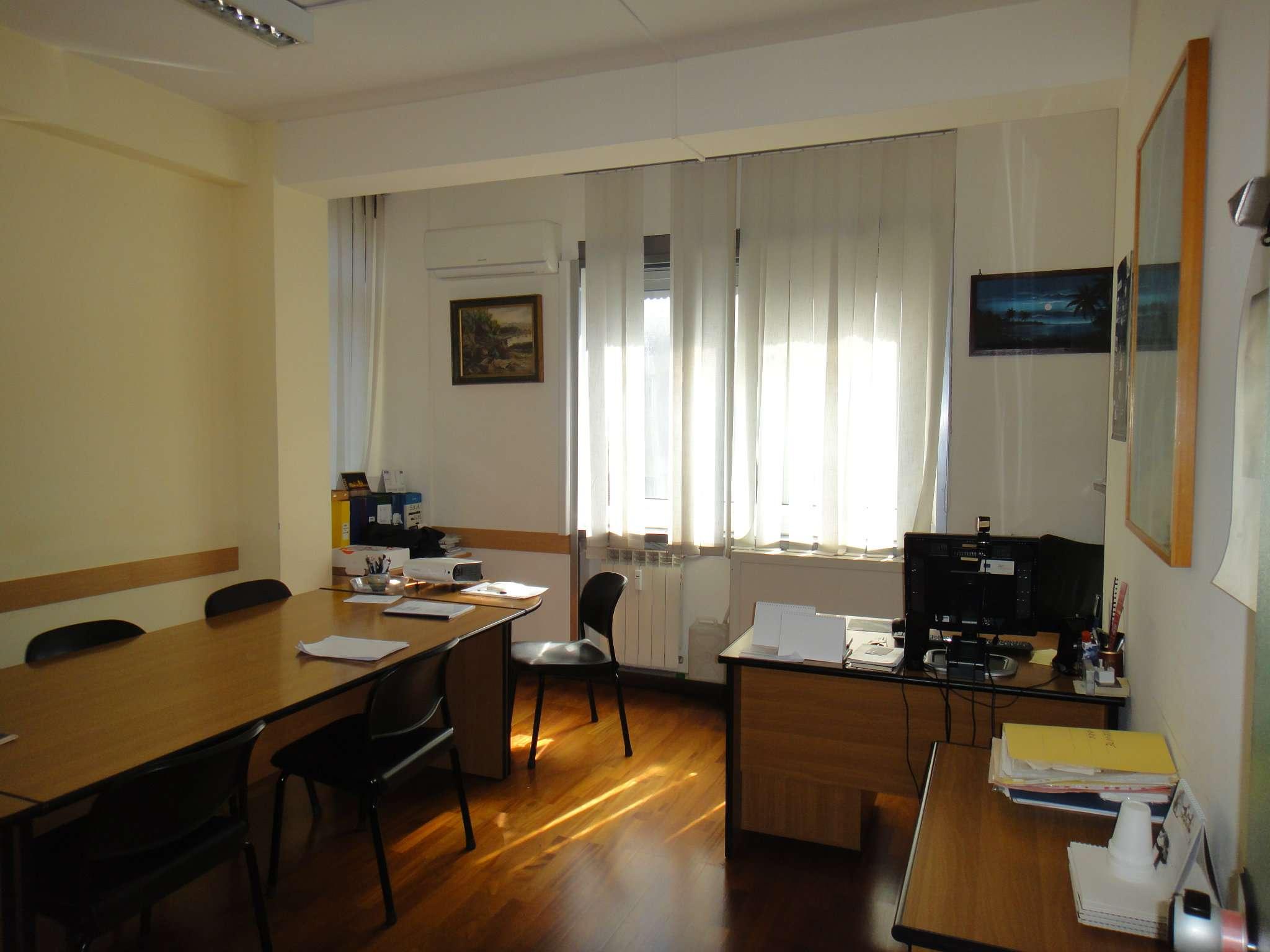 Ufficio in affitto di 9 vani a Napoli  zona Fuorigrotta Rif. 8257912
