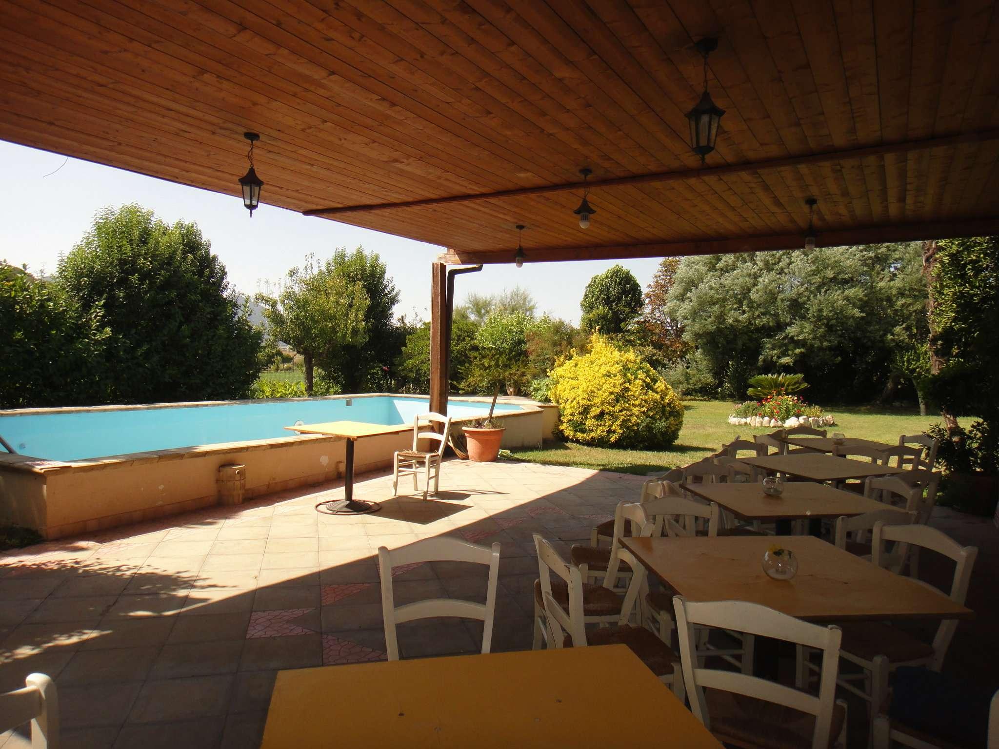 Negozio / Locale in affitto a Piana di Monte Verna, 1 locali, prezzo € 2.000   CambioCasa.it
