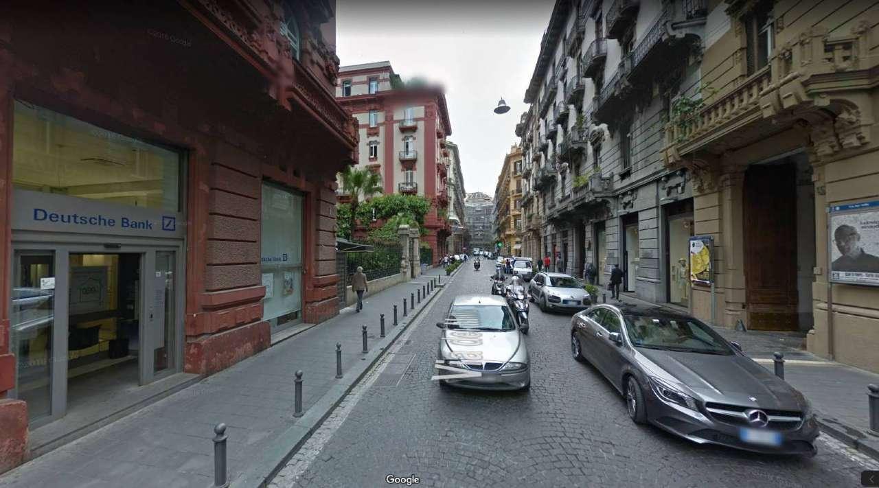 Ufficio / Studio in affitto a Napoli, 8 locali, zona Zona: 1 . Chiaia, Posillipo, San Ferdinando, prezzo € 3.000 | CambioCasa.it