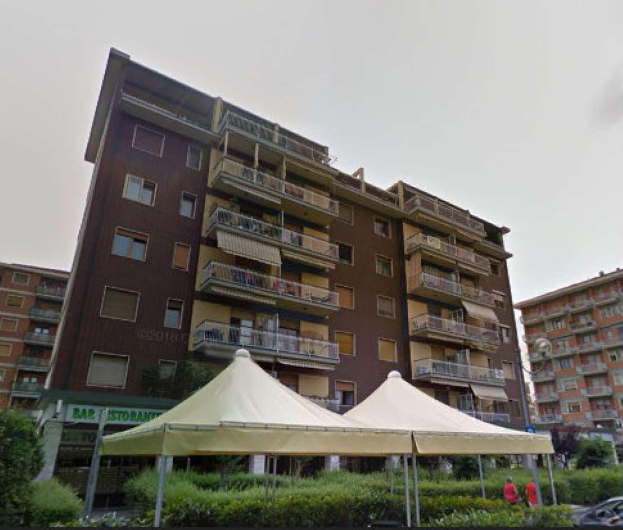 Appartamento in buone condizioni in affitto Rif. 4279571