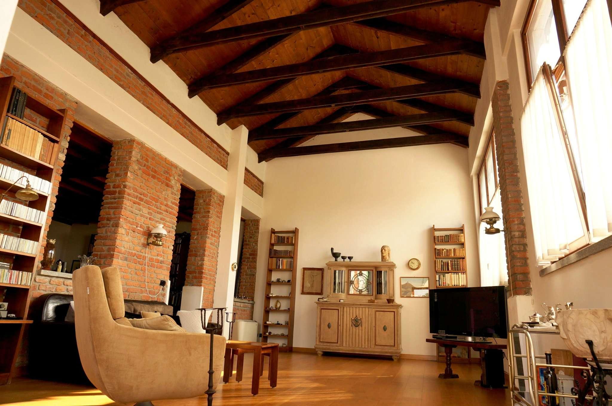 Case indipendenti in vendita a milano in zona quinto romano cerca con - Case ristrutturate interni ...