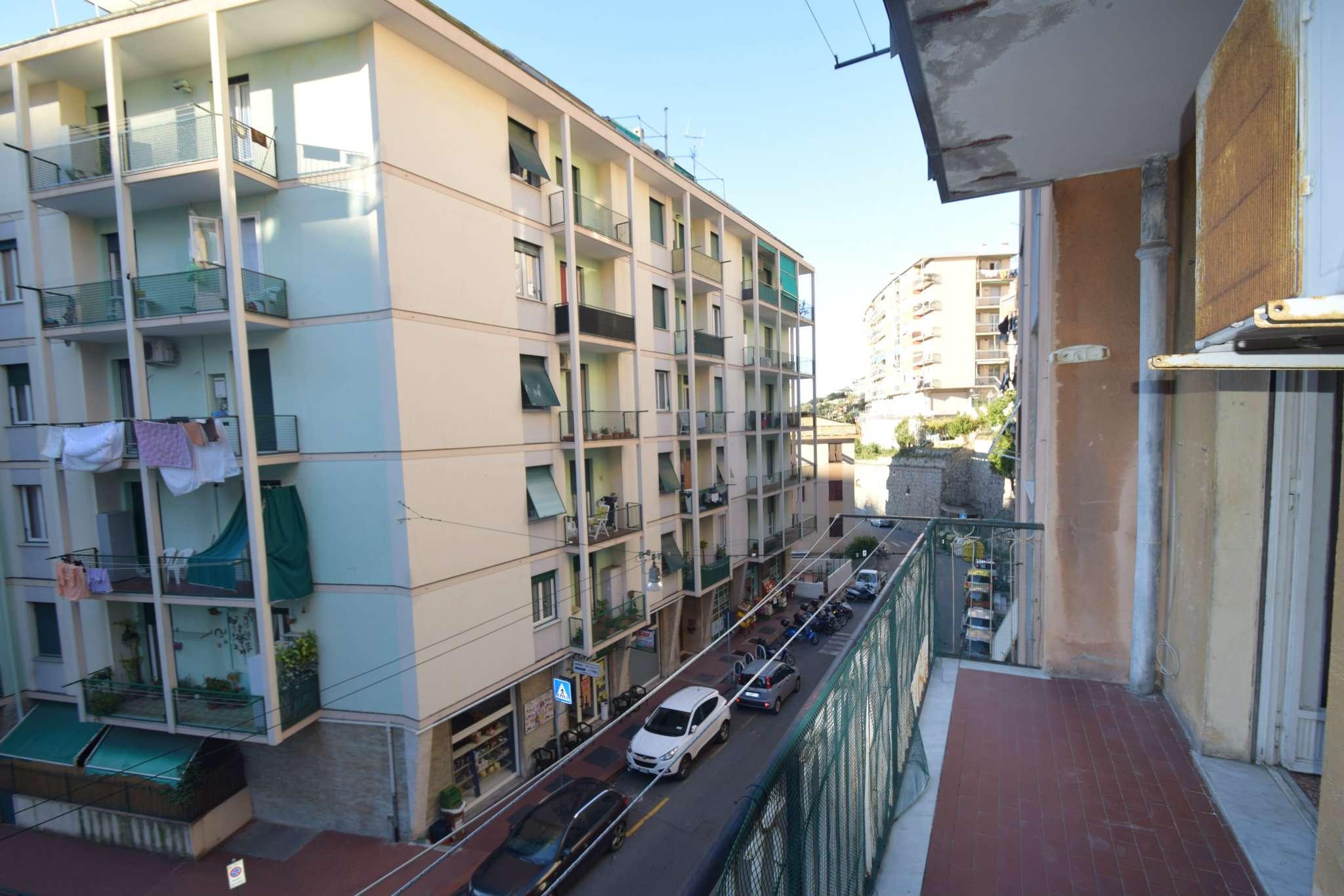 Appartamento in buone condizioni in vendita Rif. 8872116
