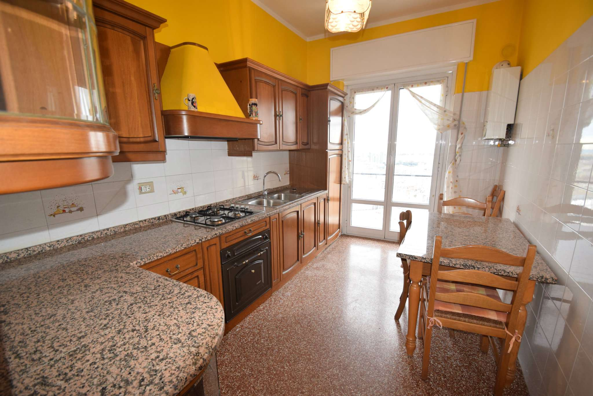 Appartamento ristrutturato arredato in affitto Rif. 9000090