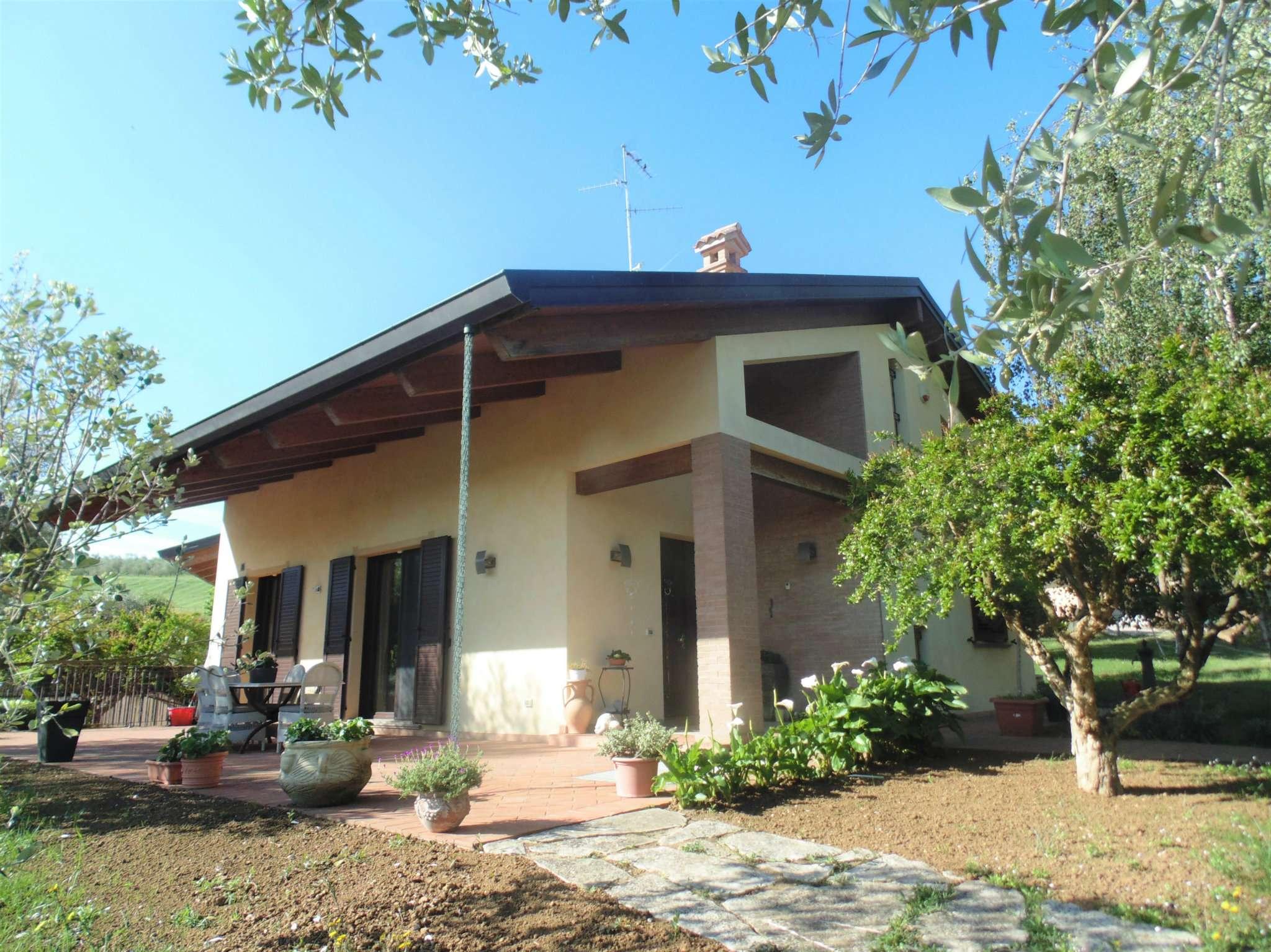 Villa con giardino privato a rimini for Giardino rimini