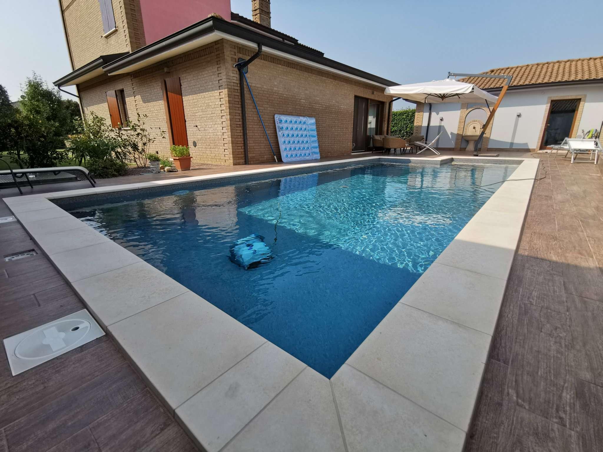 Villa in vendita a Misano di Gera d'Adda, 5 locali, prezzo € 550.000 | PortaleAgenzieImmobiliari.it