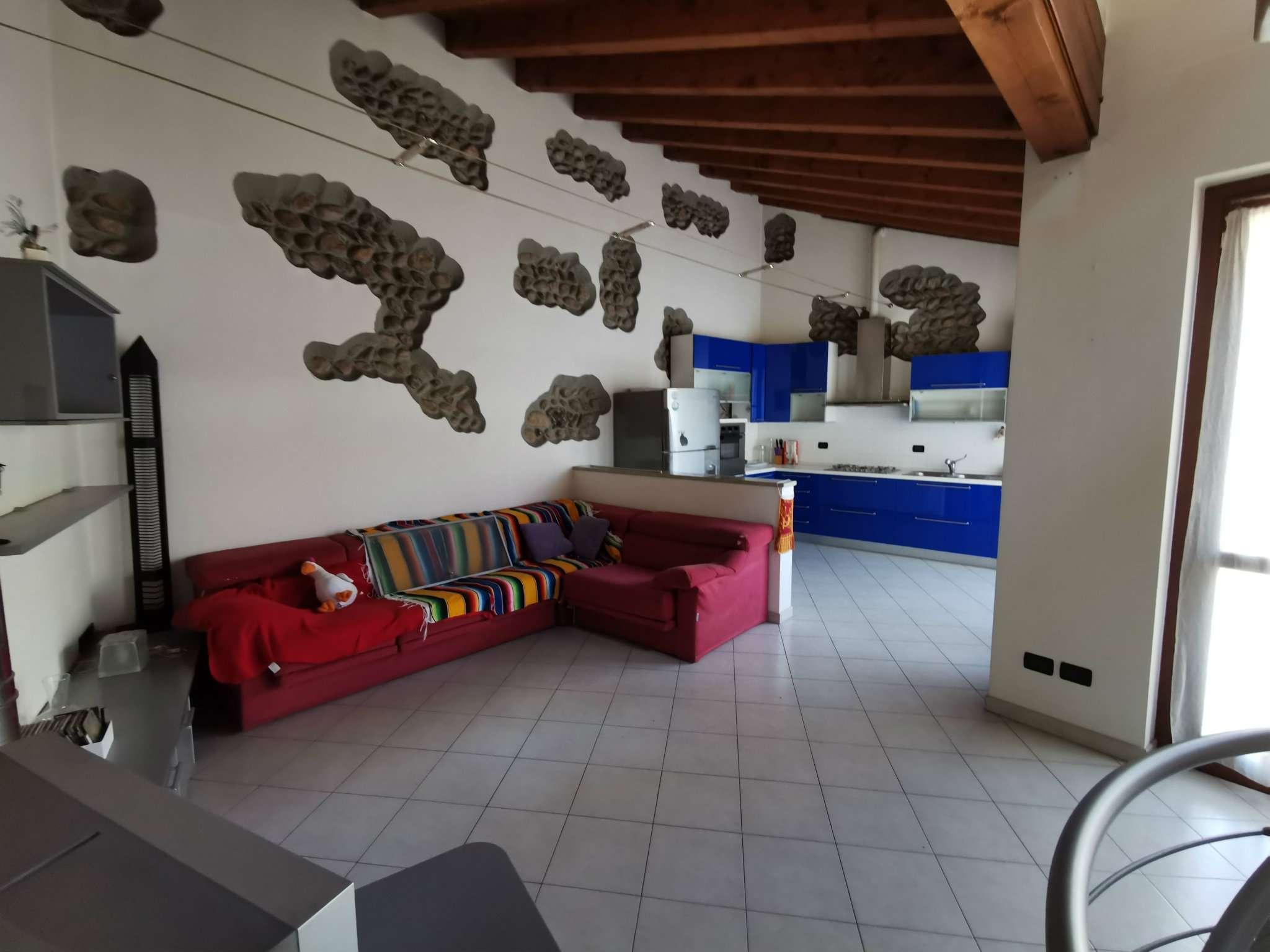 Soluzione Semindipendente in vendita a Boltiere, 3 locali, prezzo € 125.000 | PortaleAgenzieImmobiliari.it