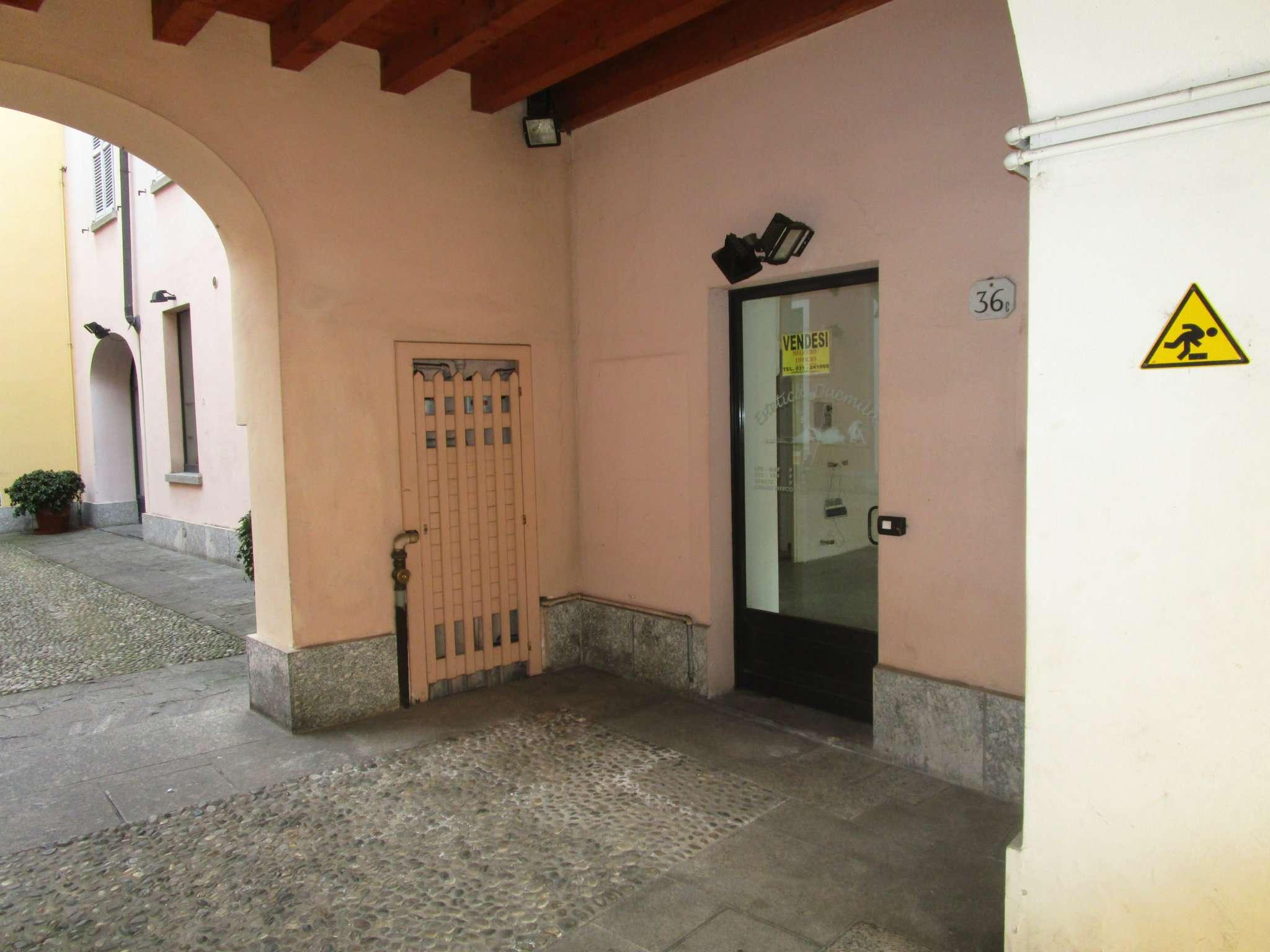 Negozio / Locale in affitto a Como, 1 locali, zona Zona: 1 . Centro - Centro Storico, prezzo € 800 | CambioCasa.it