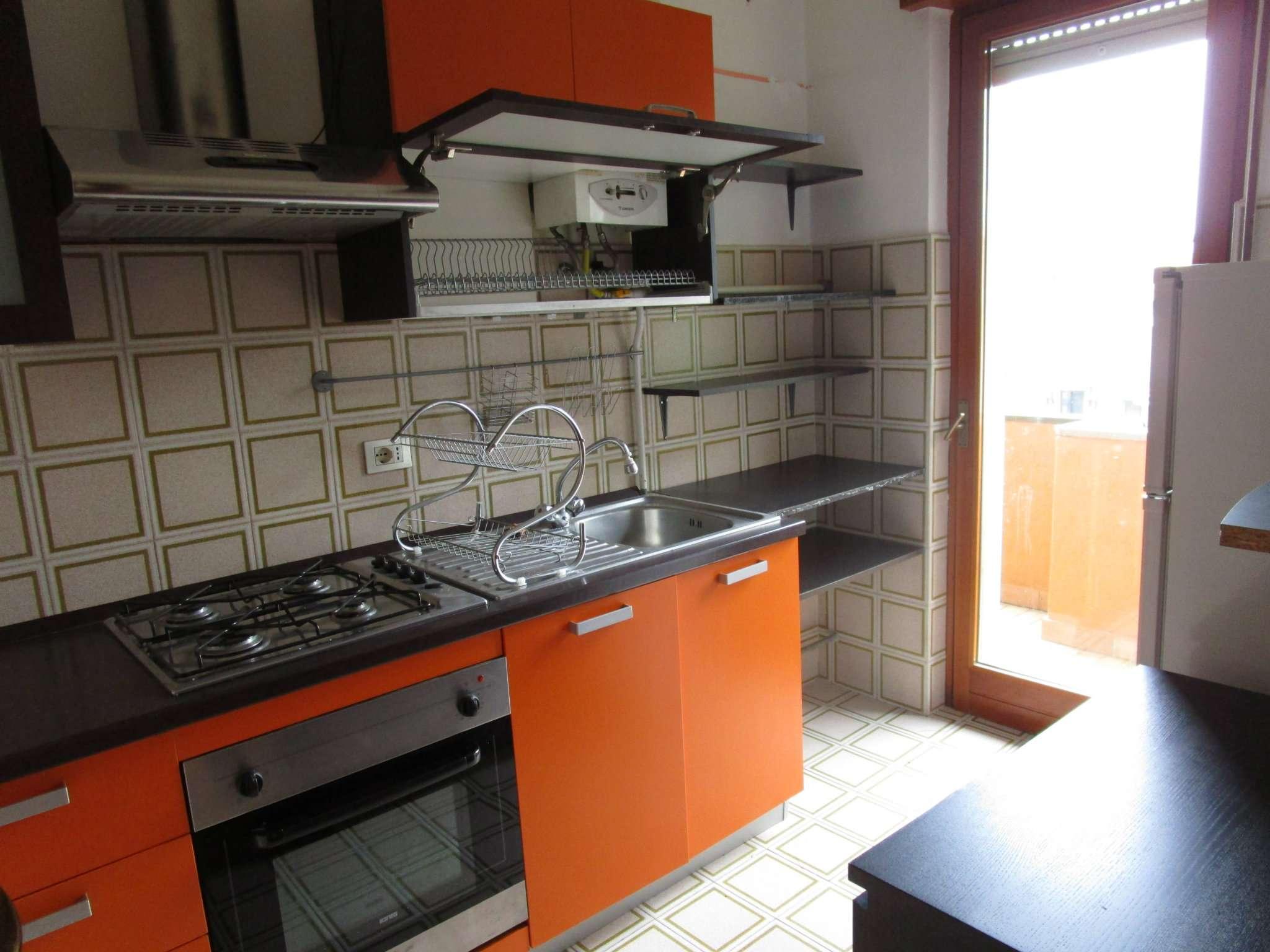 Appartamento in affitto a Casnate con Bernate, 2 locali, prezzo € 500 | CambioCasa.it