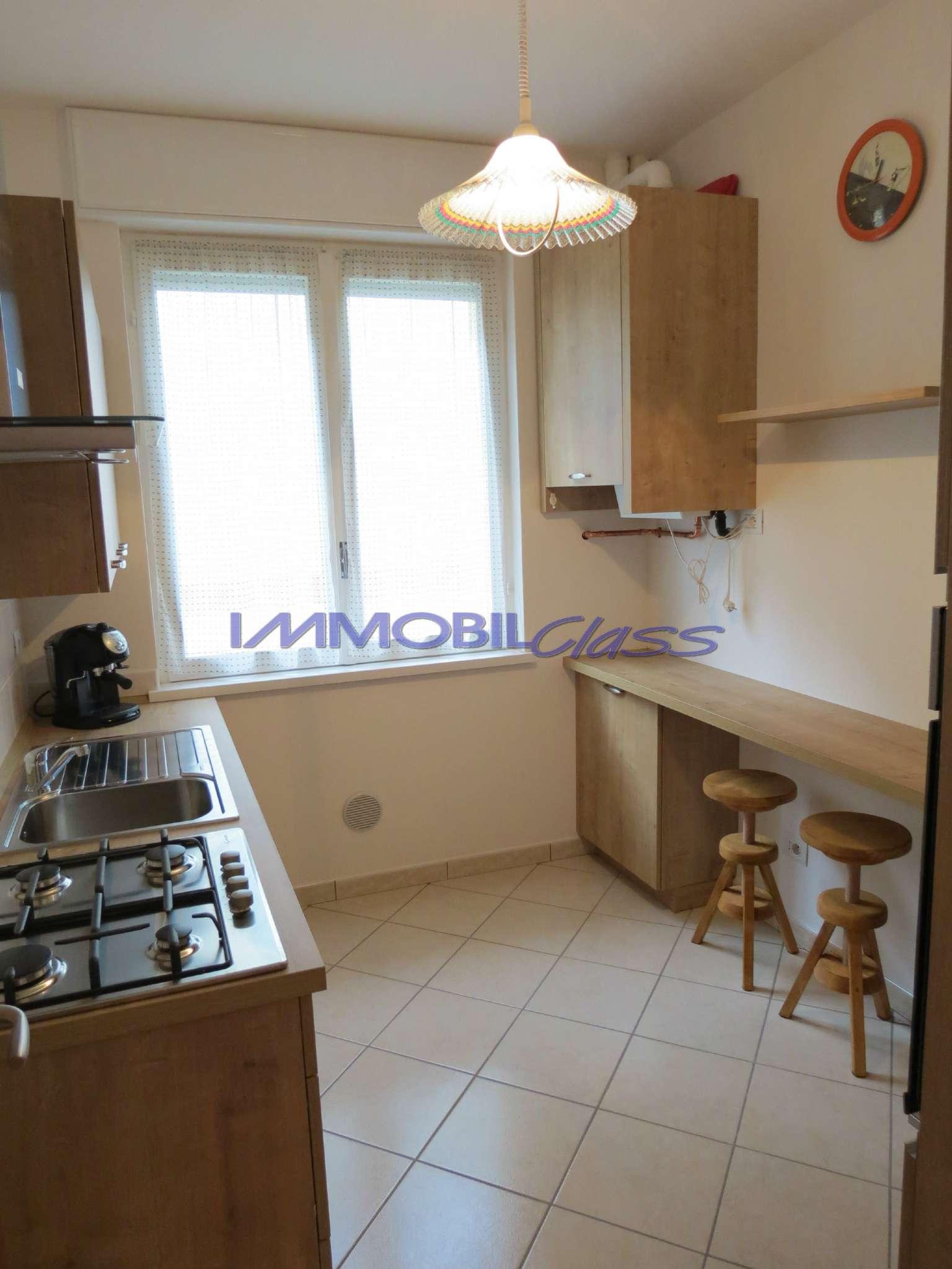 Appartamento in affitto a Laglio, 4 locali, prezzo € 700 | CambioCasa.it