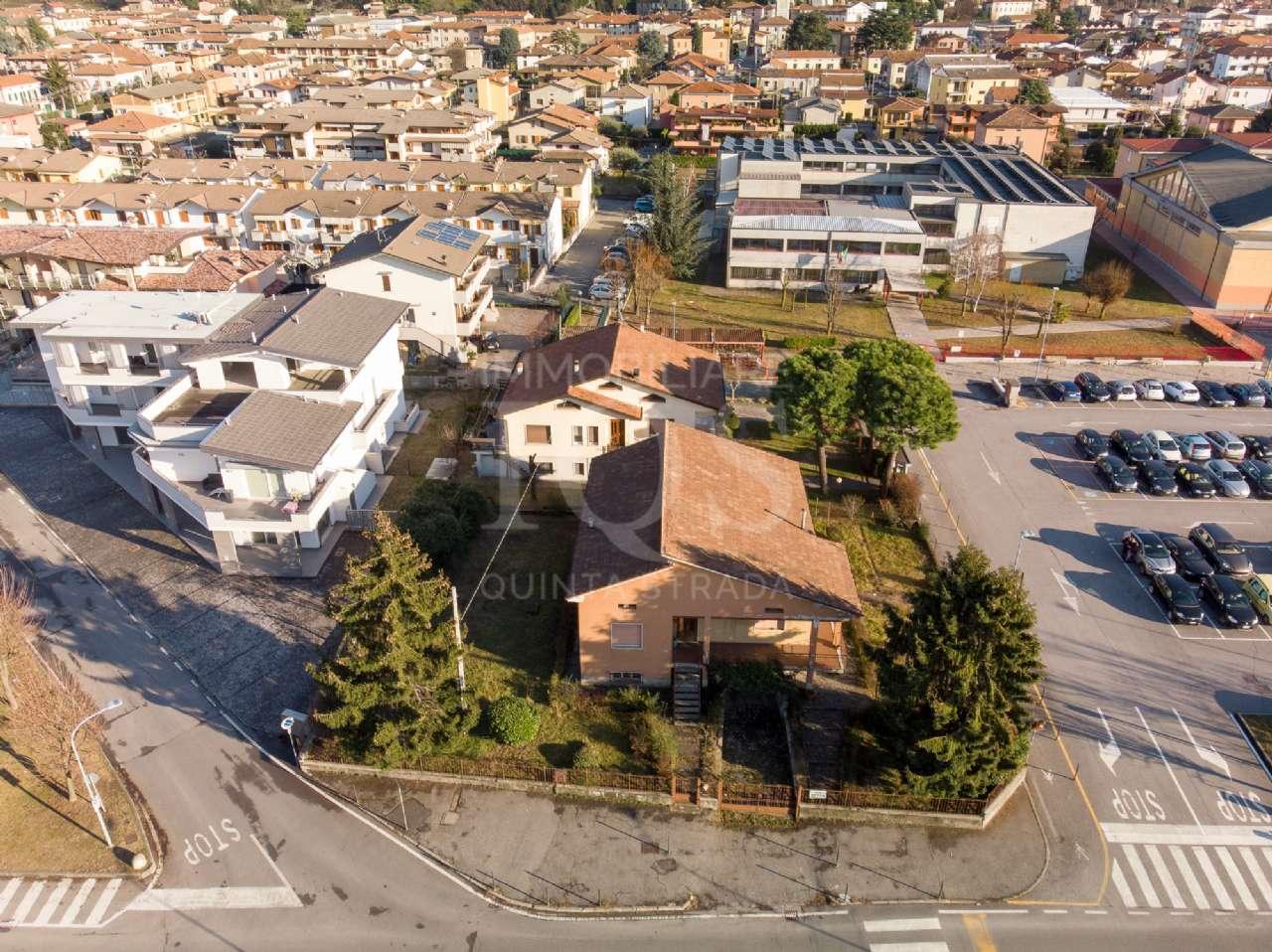 Soluzione Indipendente in vendita a Capriolo, 6 locali, prezzo € 269.000 | PortaleAgenzieImmobiliari.it