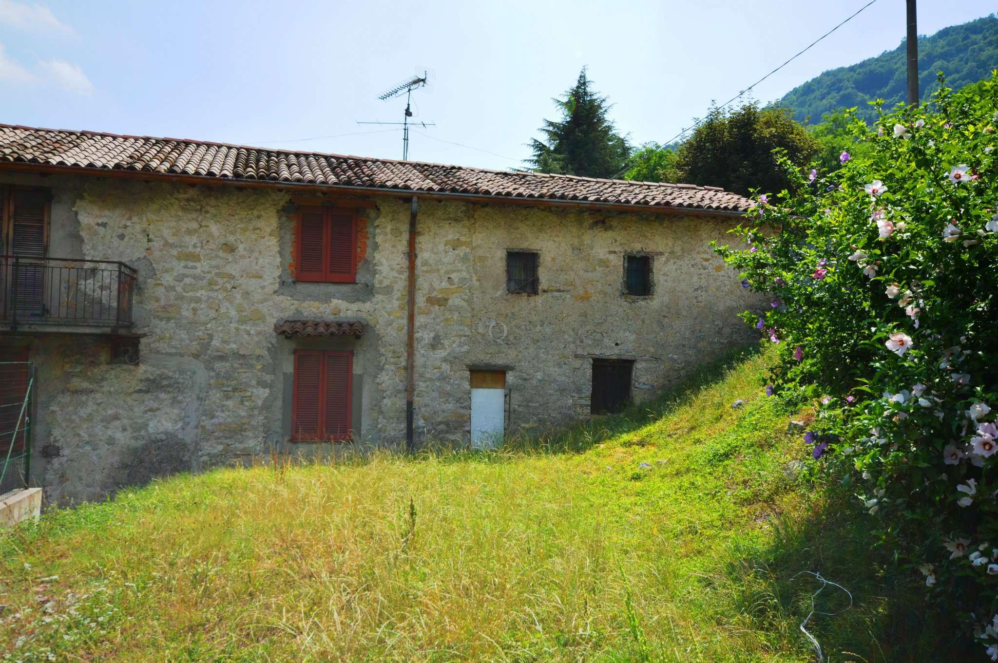 Soluzione Indipendente in vendita a Adrara San Rocco, 7 locali, prezzo € 99.000 | PortaleAgenzieImmobiliari.it