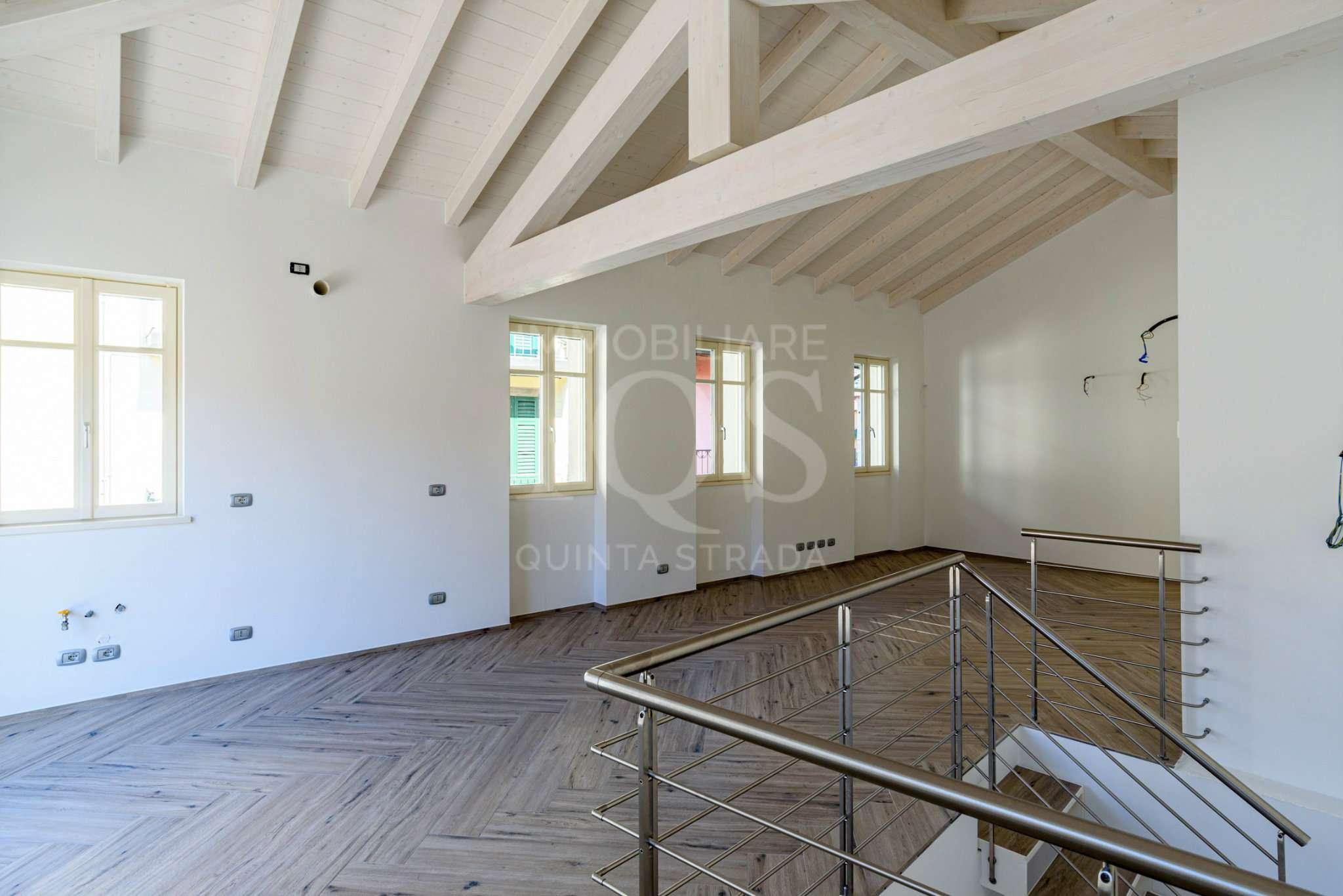 Attico / Mansarda in vendita a Sarnico, 4 locali, prezzo € 450.000 | PortaleAgenzieImmobiliari.it