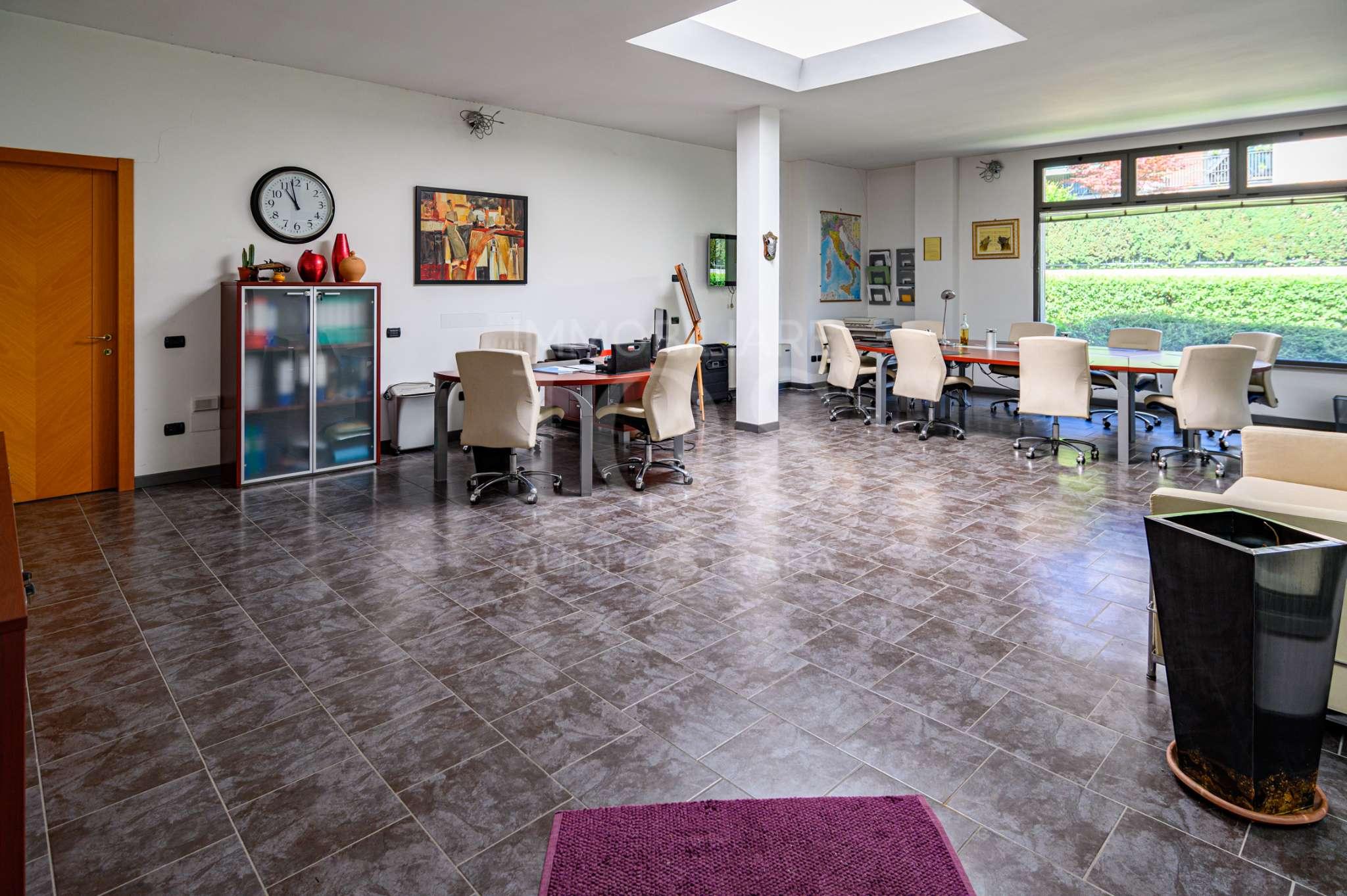 Ufficio / Studio in vendita a Sarnico, 2 locali, prezzo € 128.000   PortaleAgenzieImmobiliari.it