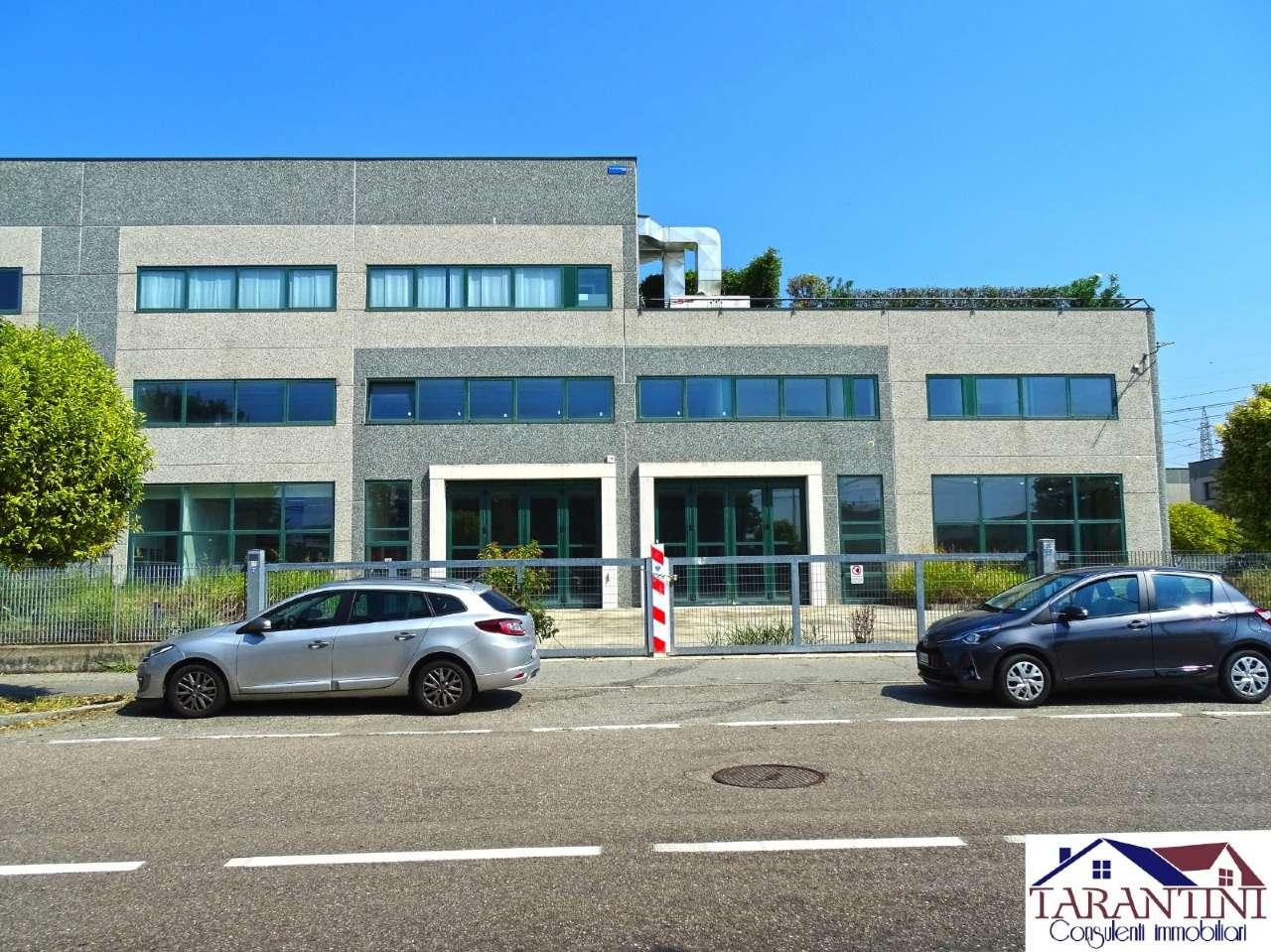 Capannone in vendita a Settimo Milanese, 6 locali, prezzo € 720.000 | PortaleAgenzieImmobiliari.it