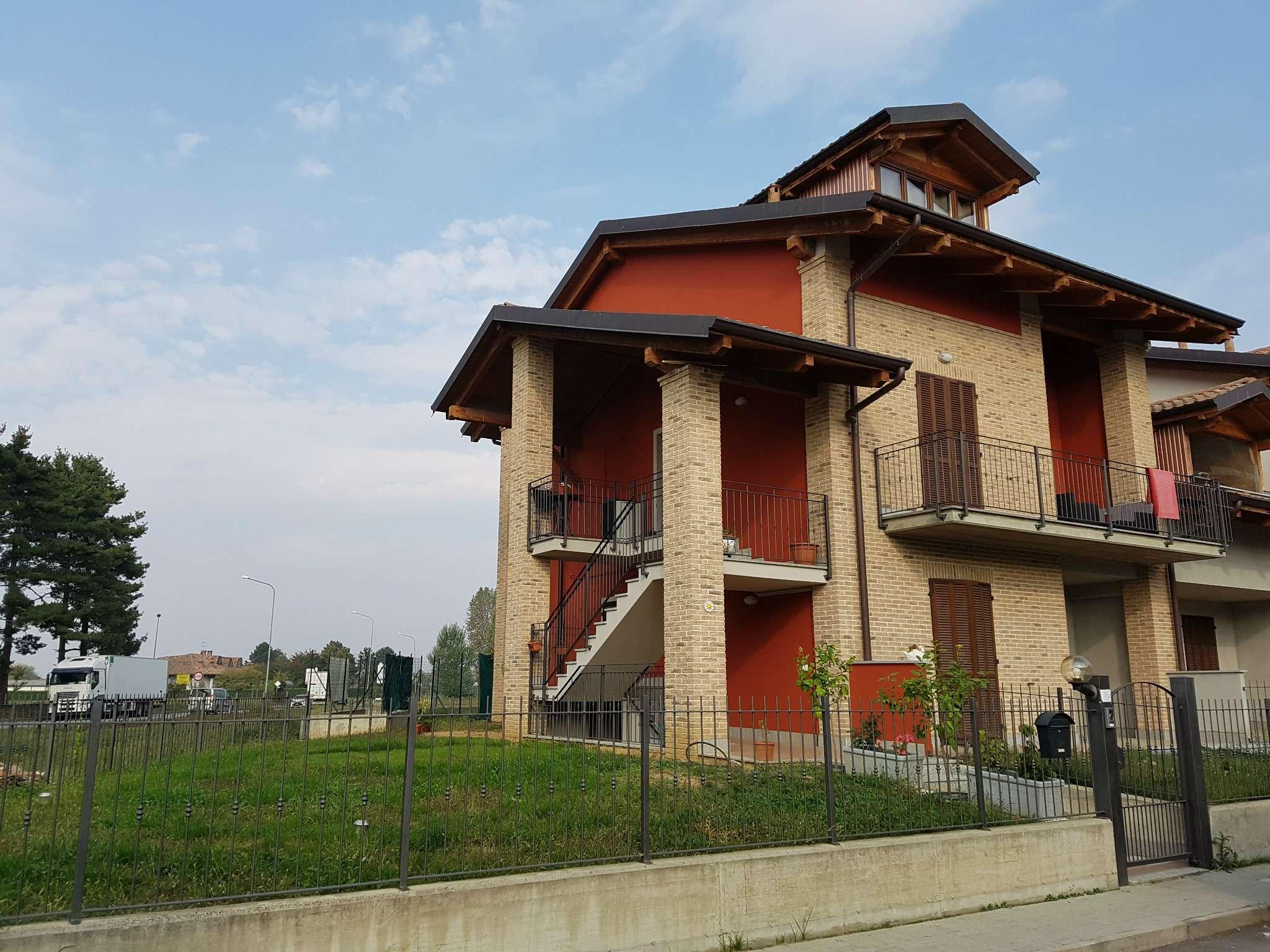 Appartamento in vendita a Poirino, 5 locali, prezzo € 210.000 | CambioCasa.it