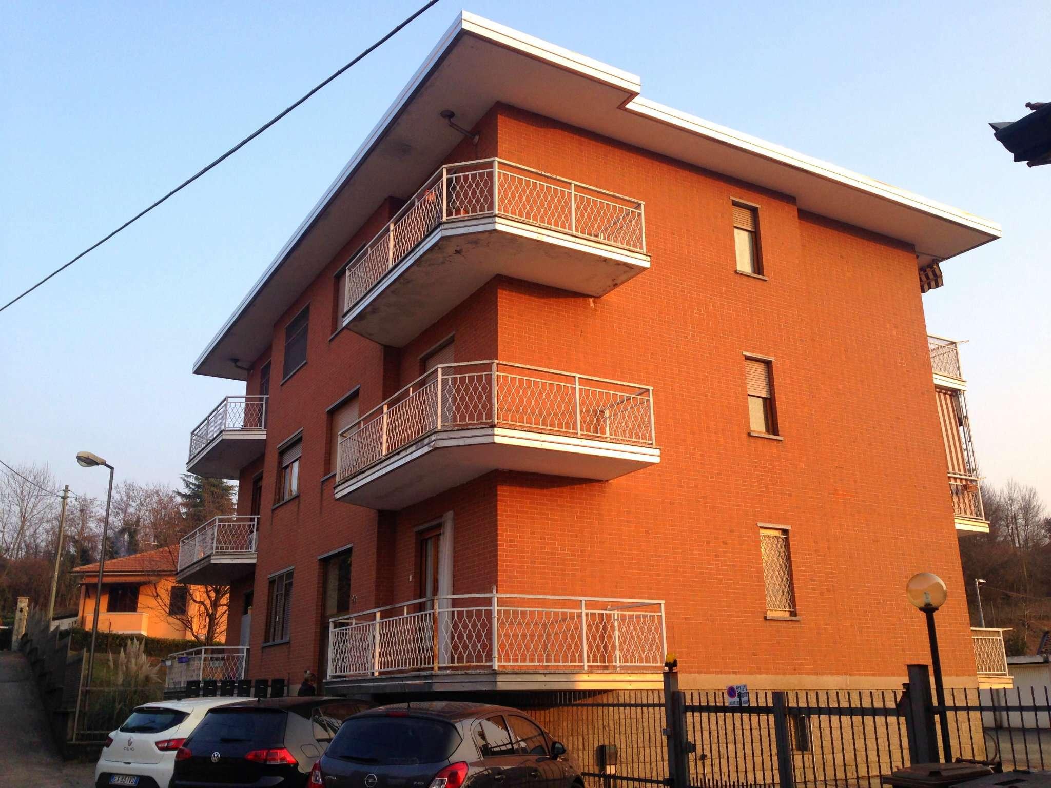 Appartamento in buone condizioni in affitto Rif. 5005673