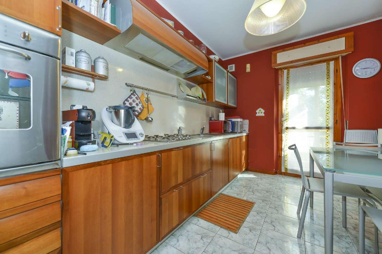 Appartamento in vendita a Trofarello, 4 locali, prezzo € 132.000 | CambioCasa.it