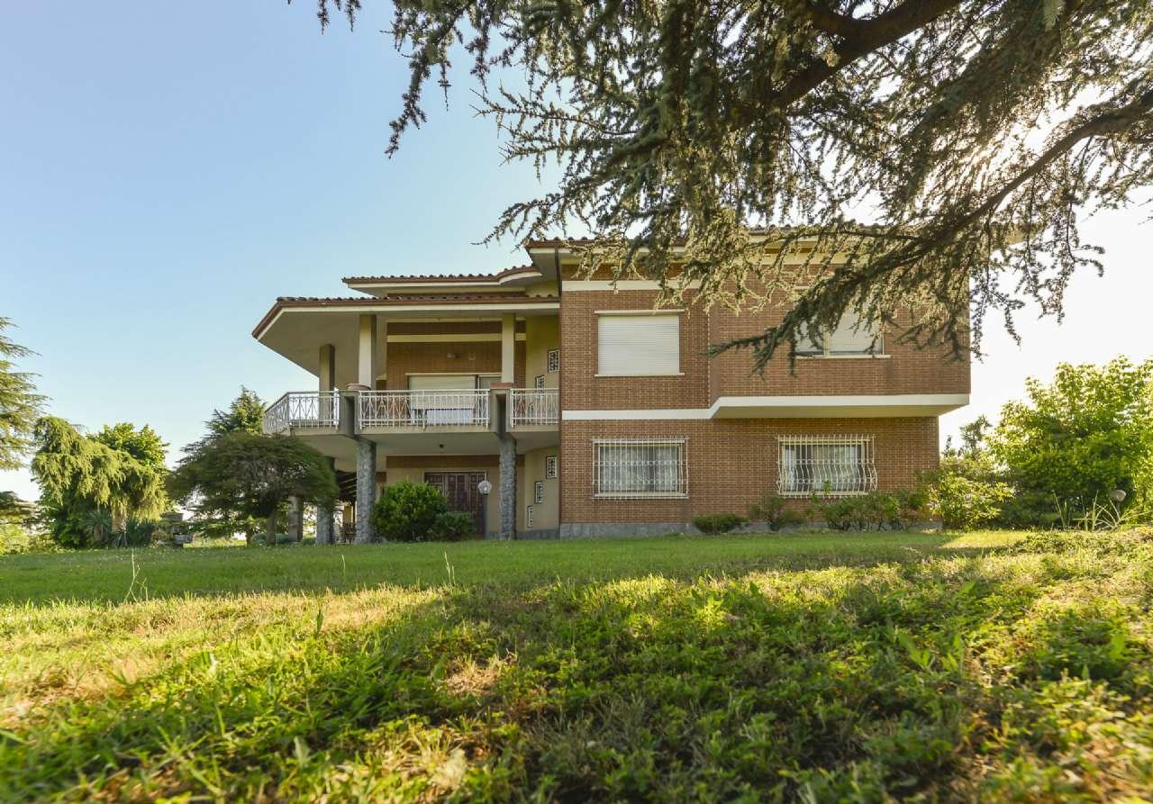 Villa Bifamiliare in vendita a Cellarengo, 12 locali, prezzo € 315.000 | CambioCasa.it