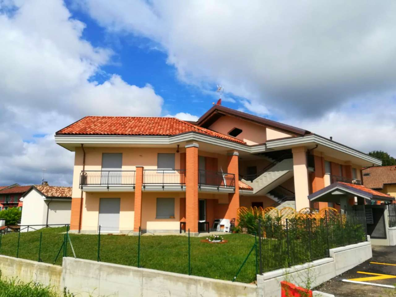 Appartamento in vendita a Andezeno, 4 locali, prezzo € 195.000 | CambioCasa.it