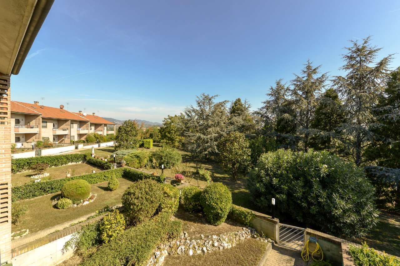 Villa in vendita a Trofarello, 10 locali, prezzo € 370.000   CambioCasa.it