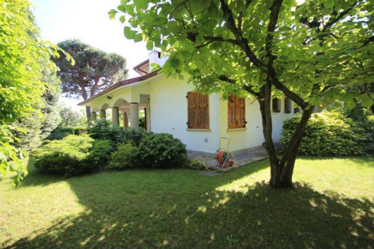 Villa in vendita a Pasturana, 6 locali, prezzo € 380.000   CambioCasa.it