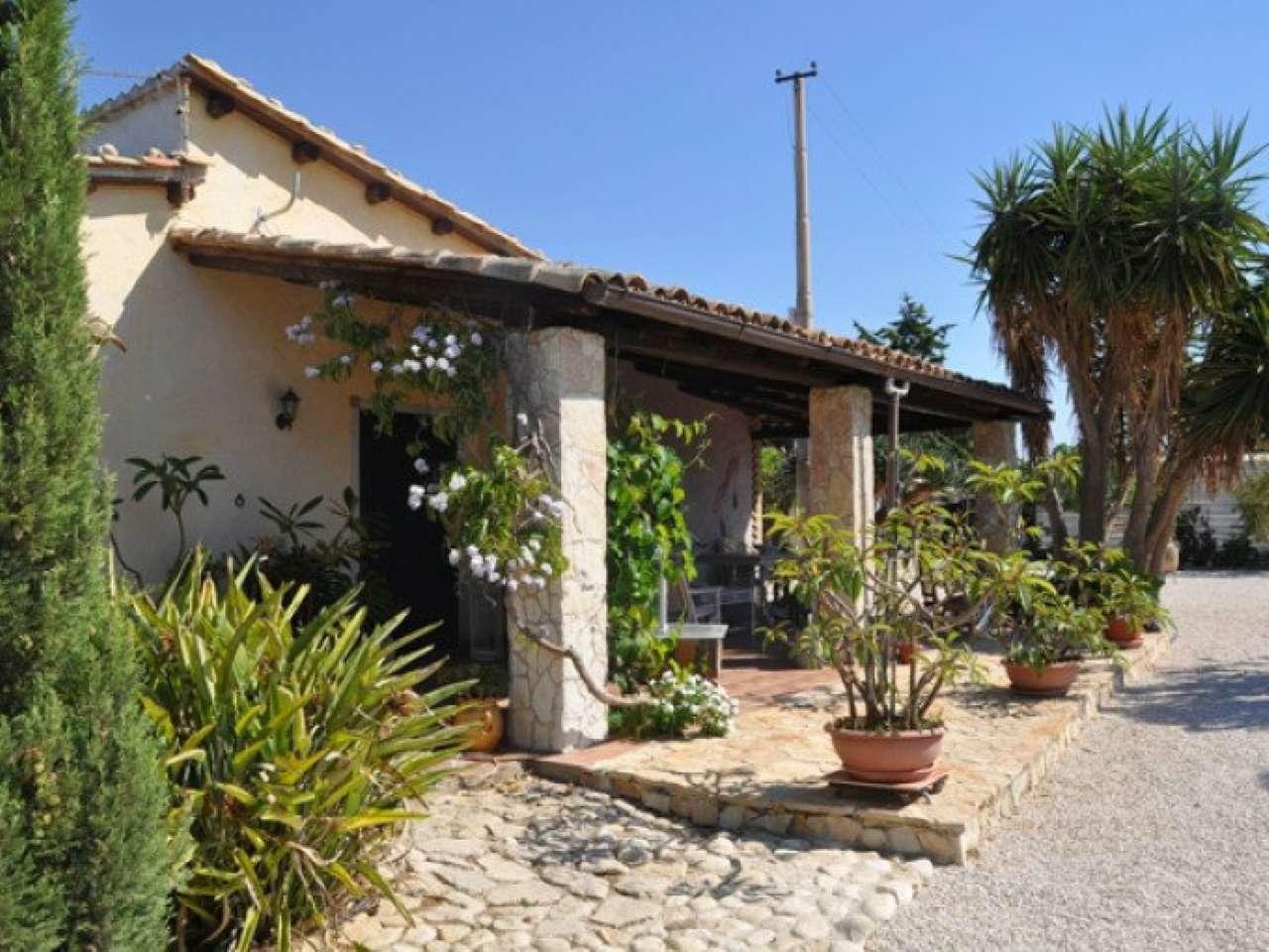 Casa Indipendente in ottime condizioni parzialmente arredato in vendita Rif. 8214692