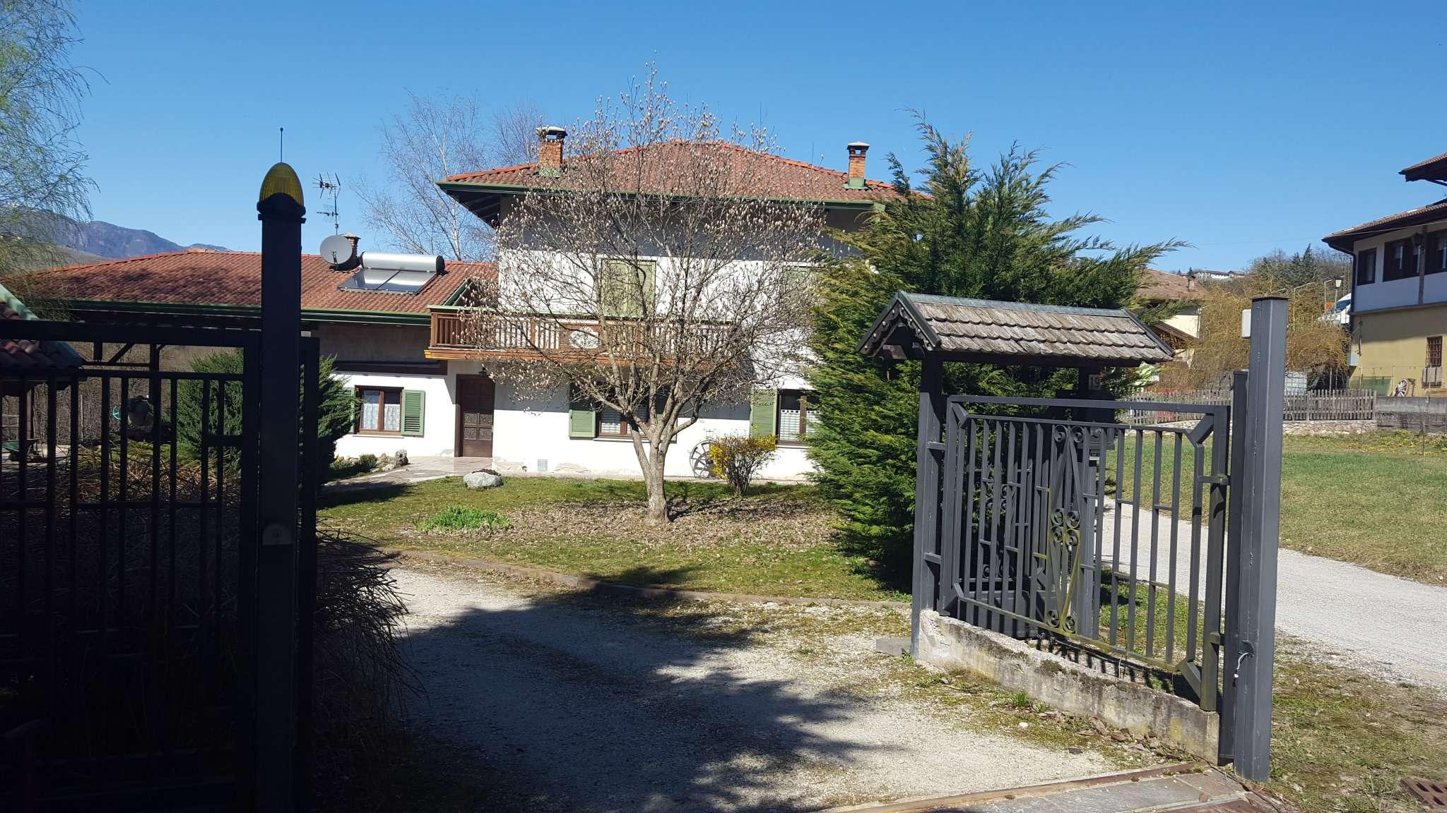 Casa Indipendente in buone condizioni in vendita Rif. 5006000