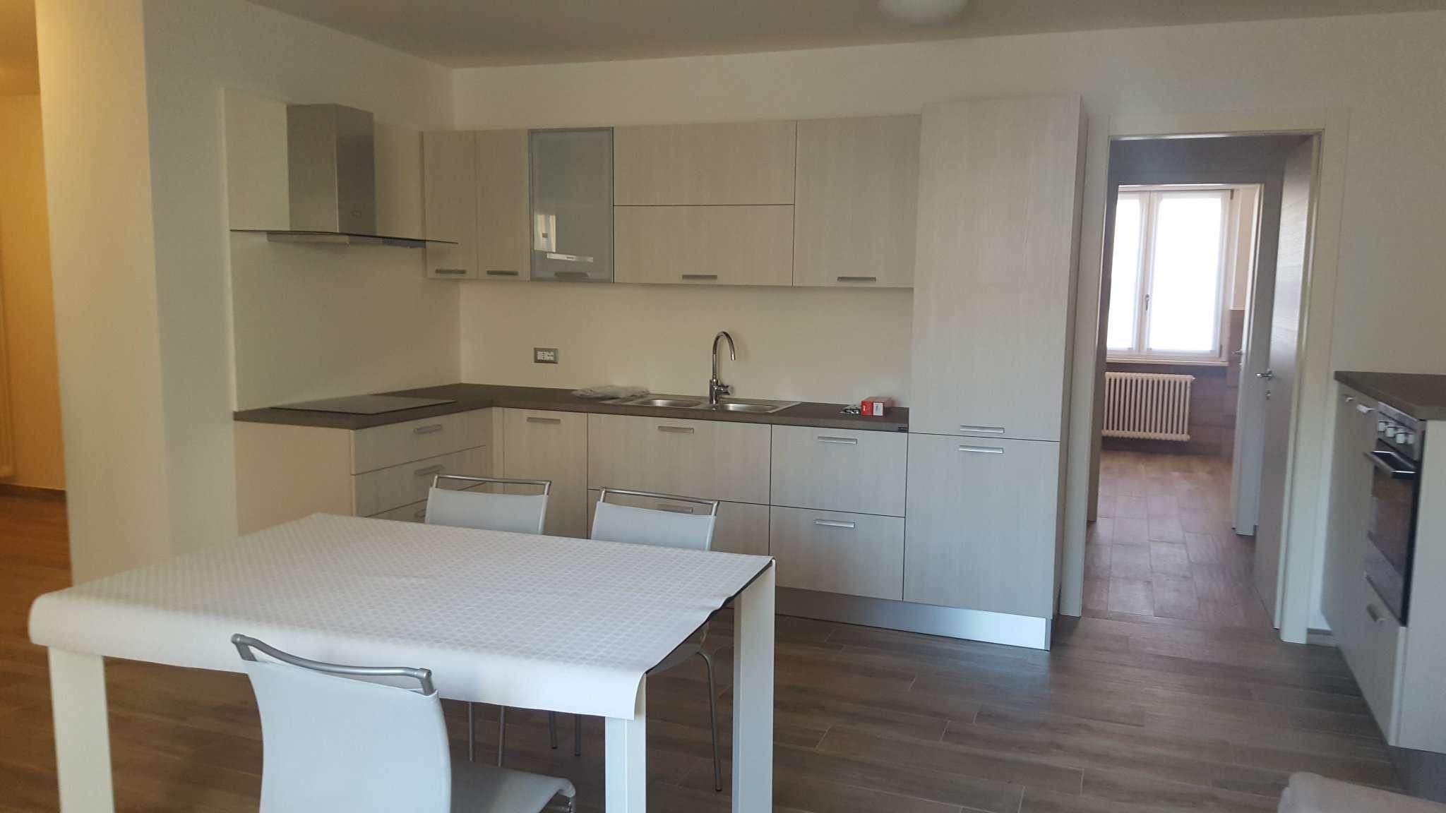 Appartamento in ottime condizioni arredato in affitto Rif. 5006046